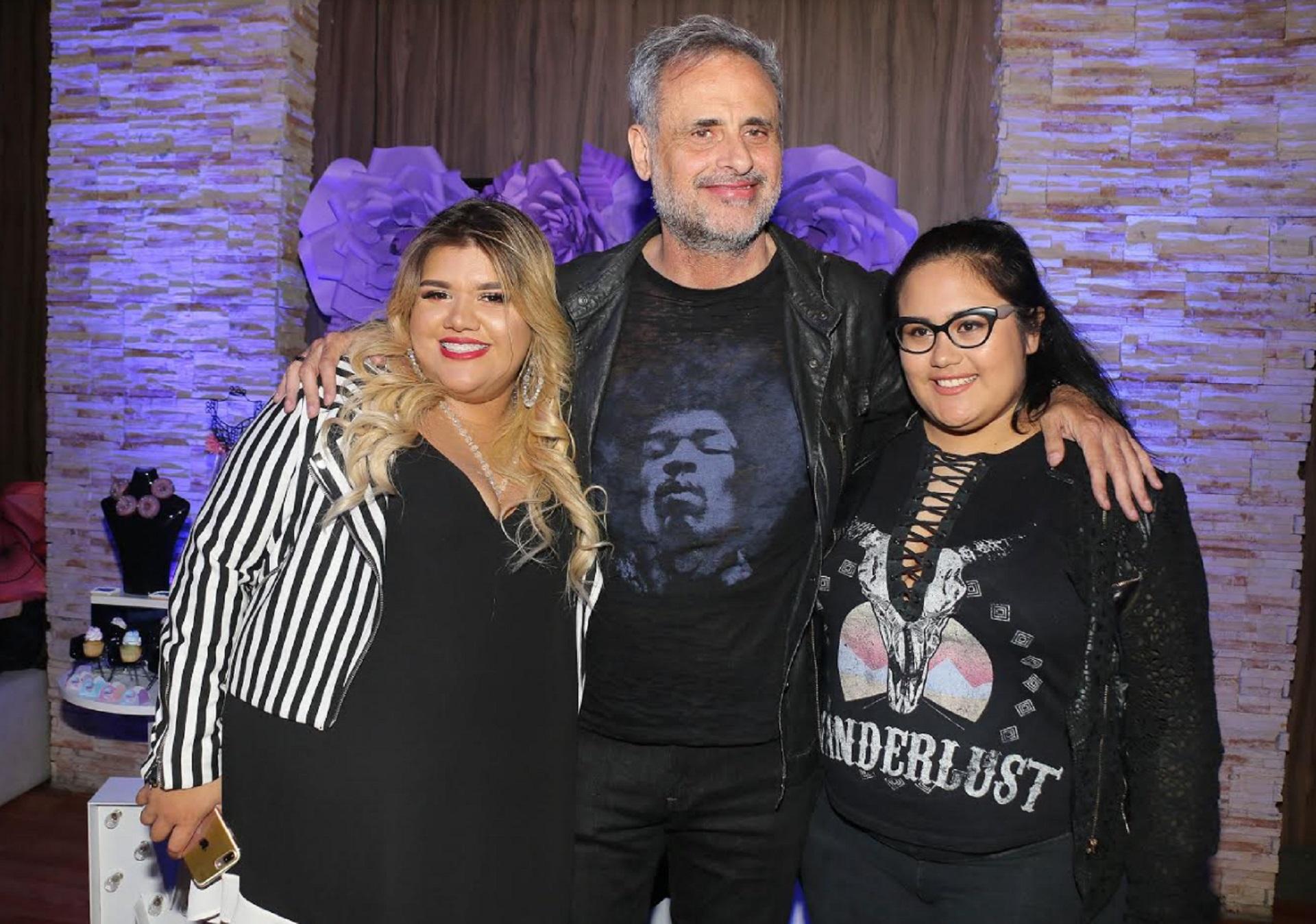 Jorge Rial junto a sus doas hijas Morena y Rocío (Crédito: Verónica Guerman/Teleshow)