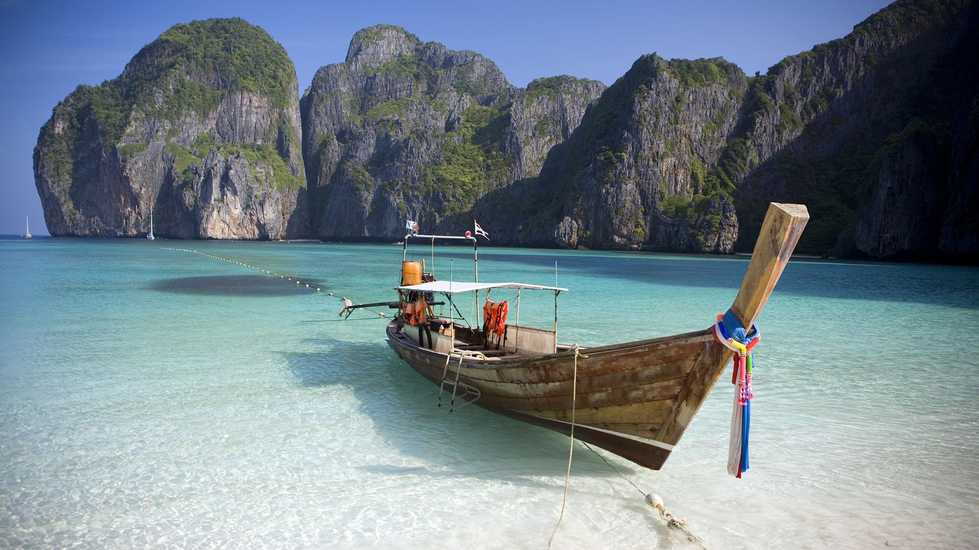 Debido a la popularidad de la película protagonizada por Leonardo Di Caprio, el turismo masivo fue una de las grandes preocupaciones de este paraíso idílico. (Getty Images)