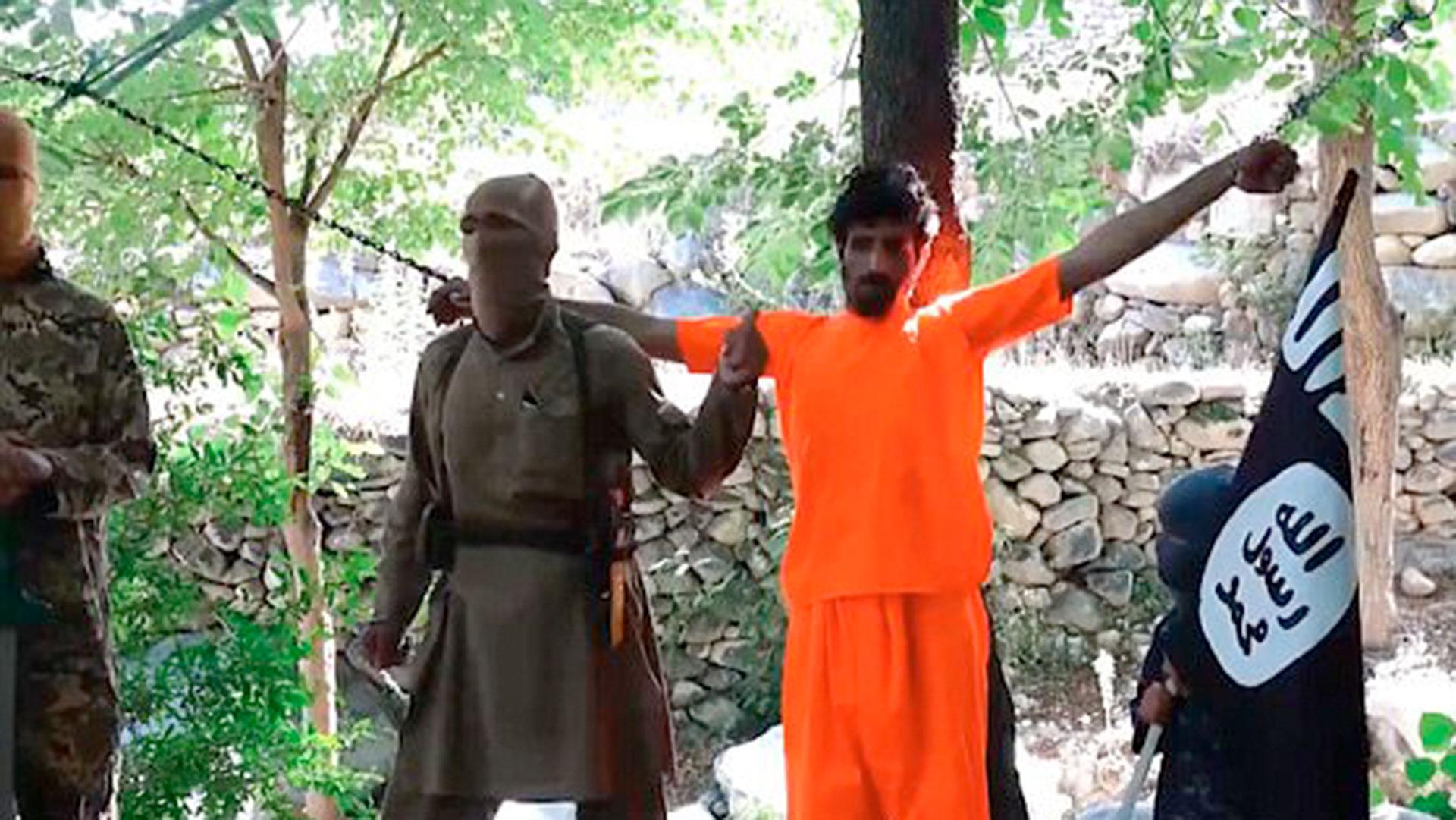 Mohammed presenció las ejecuciones públicas del ISIS, que por la noche reportaba al mundo