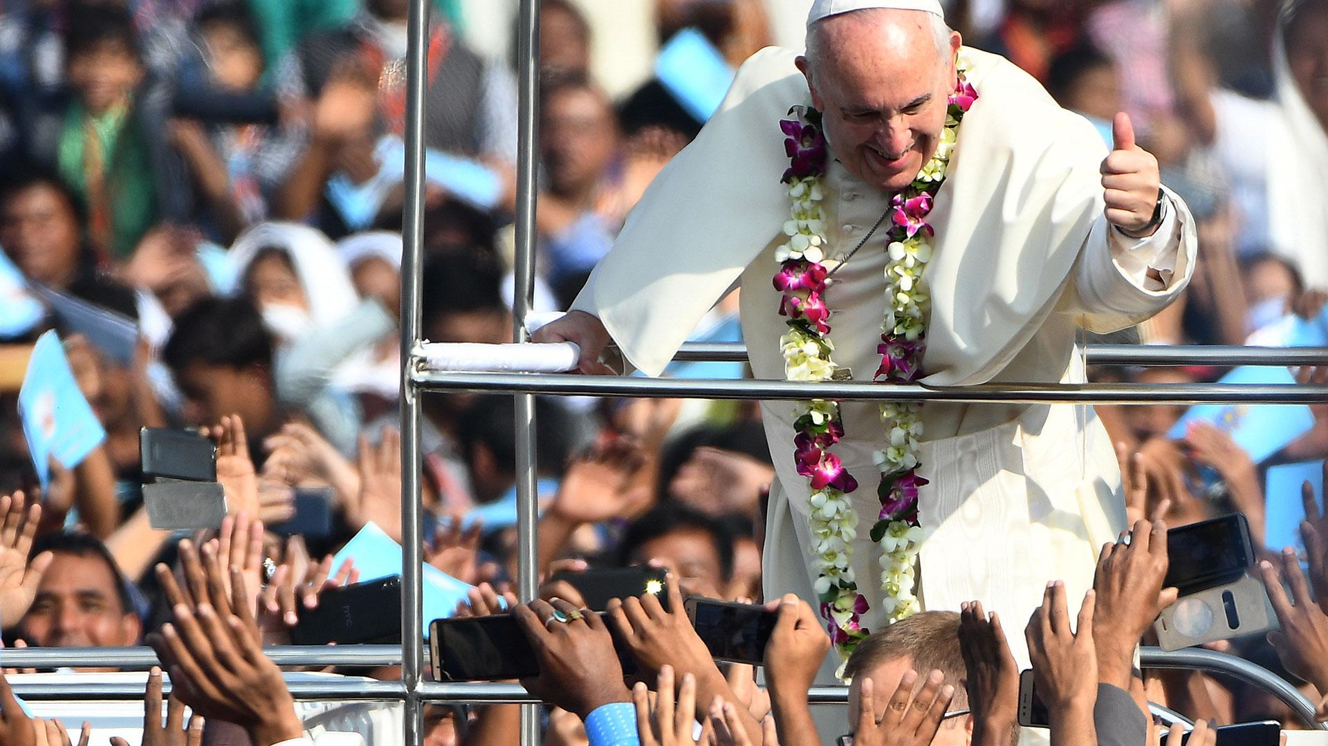 El papa Francisco en su última gira apostólica (AFP)