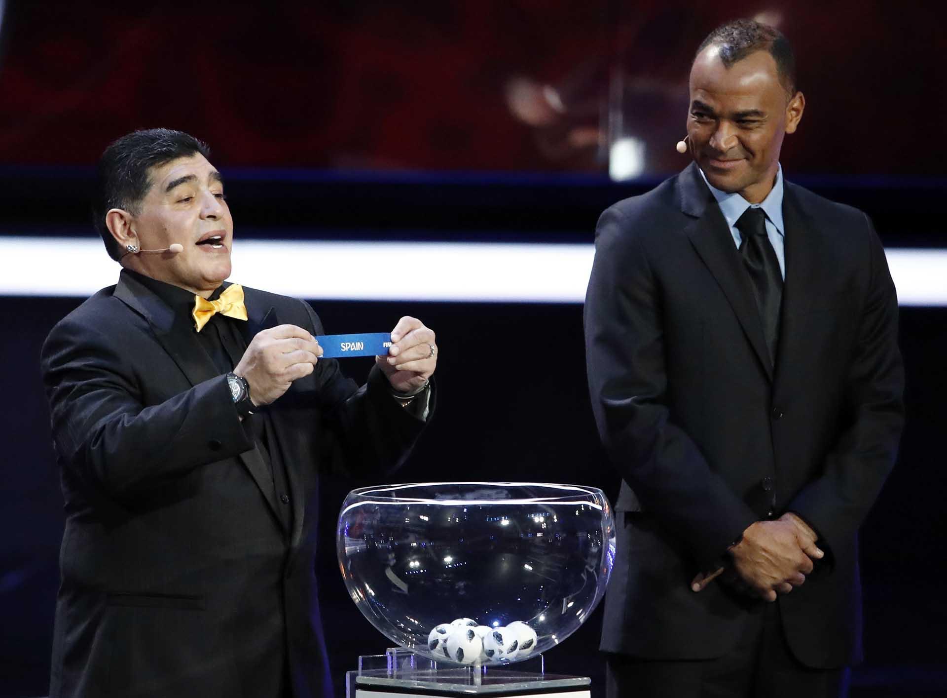 Maradona formó parte del sorteo