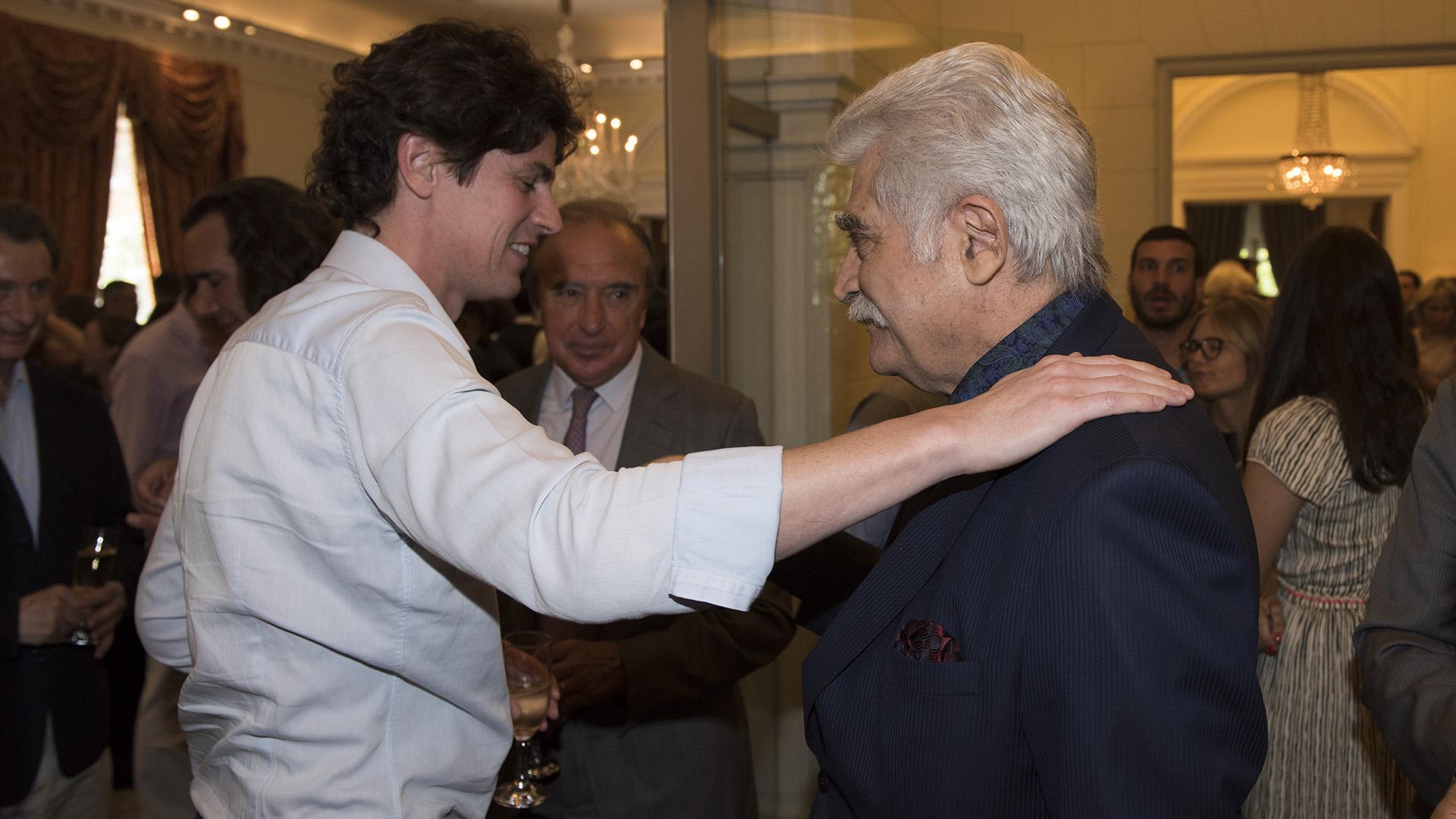 El saludo entre Martín Lousteau y Jorge Asís