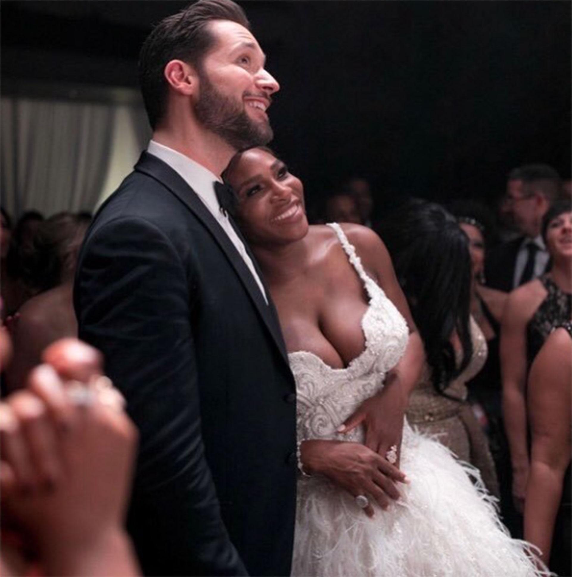 La boda se celebró en el Centro de Arte Contemporáneo y tuvo como temática la película de Disney La Bella y la Bestia.