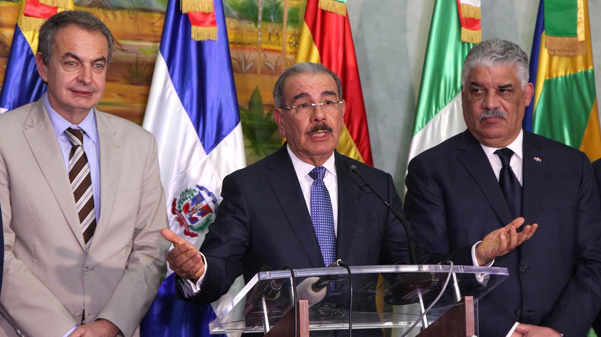 Jose Luis Rodríguez Zapatero, Danilo Medina y Miguel Vargas (Reuters)