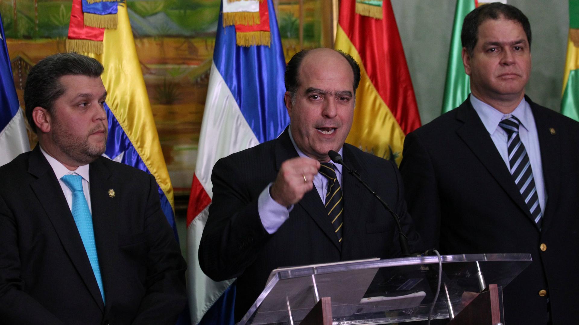 Julio Borges, luego de se encuentro con el chavismo en Santo Domingo. (Reuters)