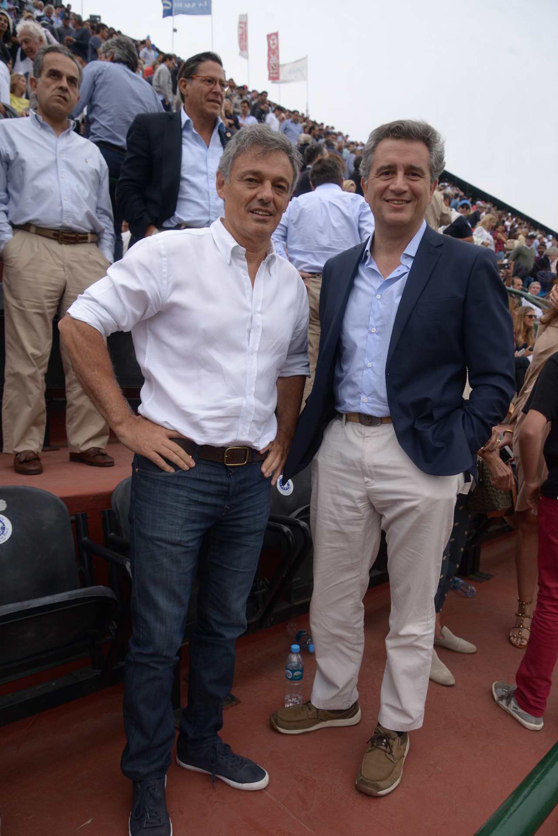 El ministro de Producción, Francisco Cabrera, junto al ministro de Agroindustria, Luis Miguel Etchevehere, entre los asistentes al Campeonato Argentino Abierto de Polo de Palermo