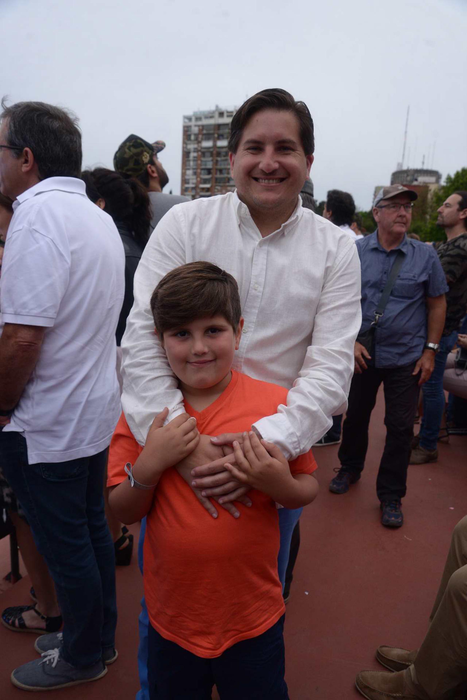 Gastón Corral, director de Sustentabilidad Corporativa de HSBC Argentina, y su hijo Santino