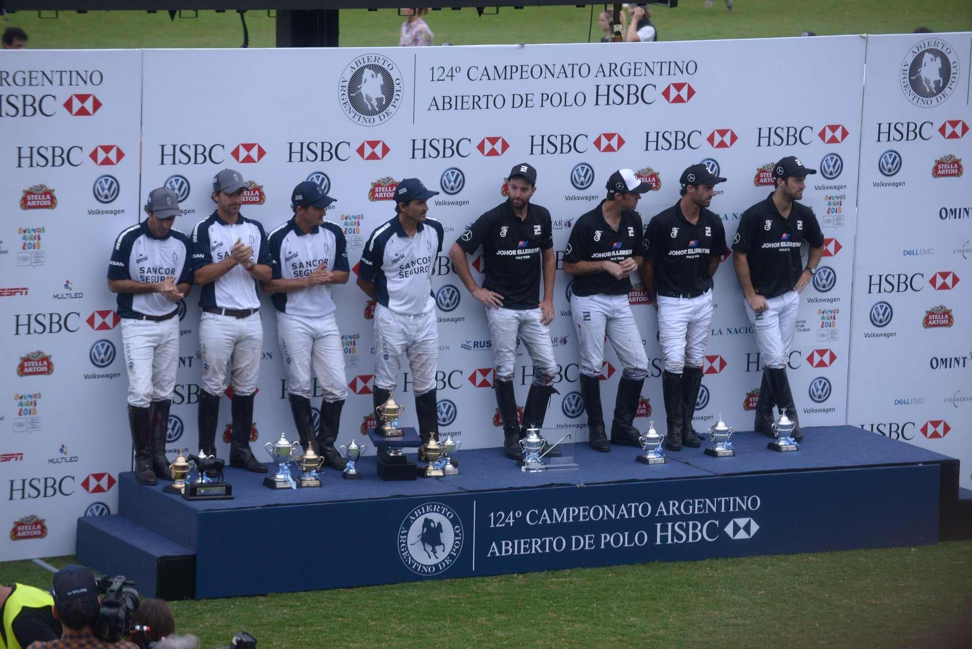 El equipo de Adolfo Cambiaso, La Dolfina, volvió a ganar el Campeonato Argentino Abierto de Polo de Palermo y se coronó pentacampeón, con un resultado de 14-13 sobre Ellerstina