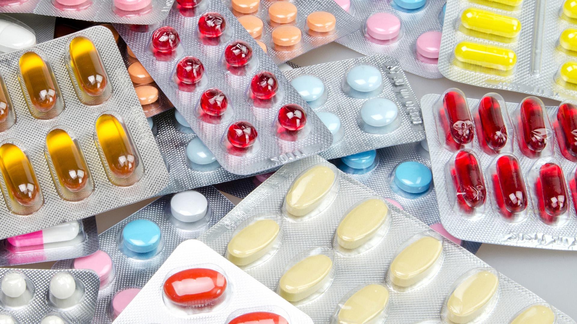 Un antibiótico debería recetarse tras la realización de un antibiograma que indique qué bacteria está presente en ese cuadro (Getty Images)