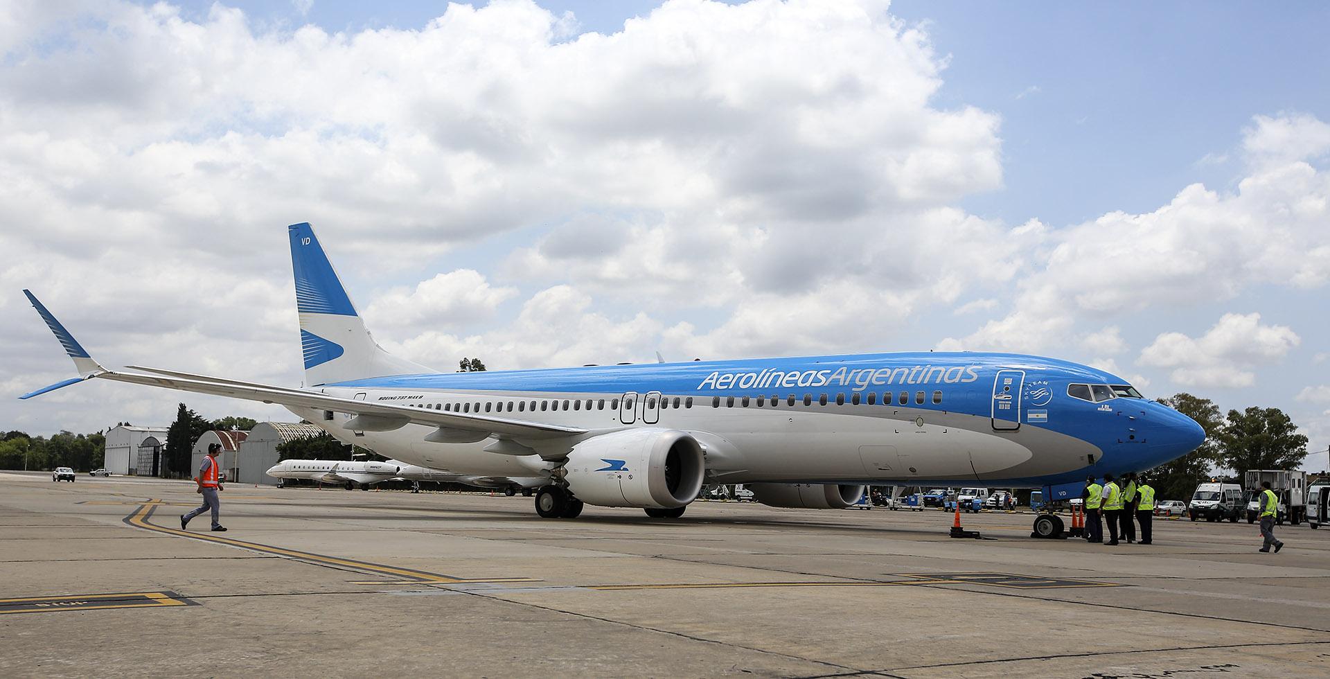 El avión tiene un largo de 39,5 metros y 12,3 metros de altura, con un formato más aerodinámico en su winglet que permite un 14% de ahorro de combustible