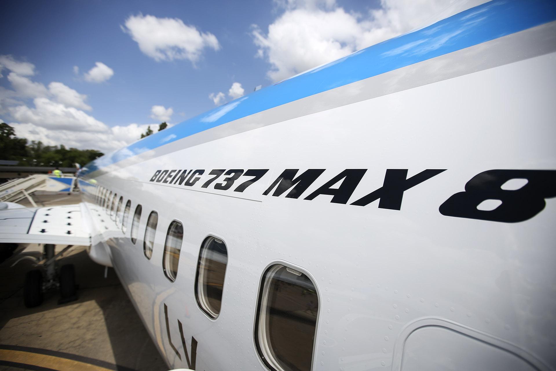 El primer vuelo comercial que realizó el nuevo avión fue la ruta Mendoza-Buenos Aires