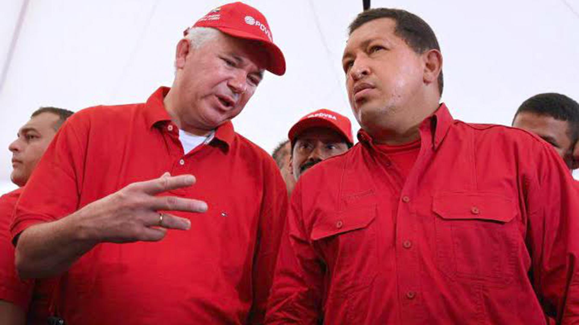 Rafael Ramírez fueministro de Petróleo y Mineríade Hugo Chávez