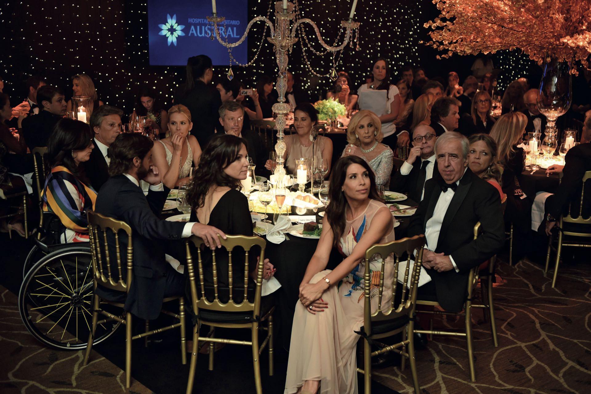 La mesa principal de la gala