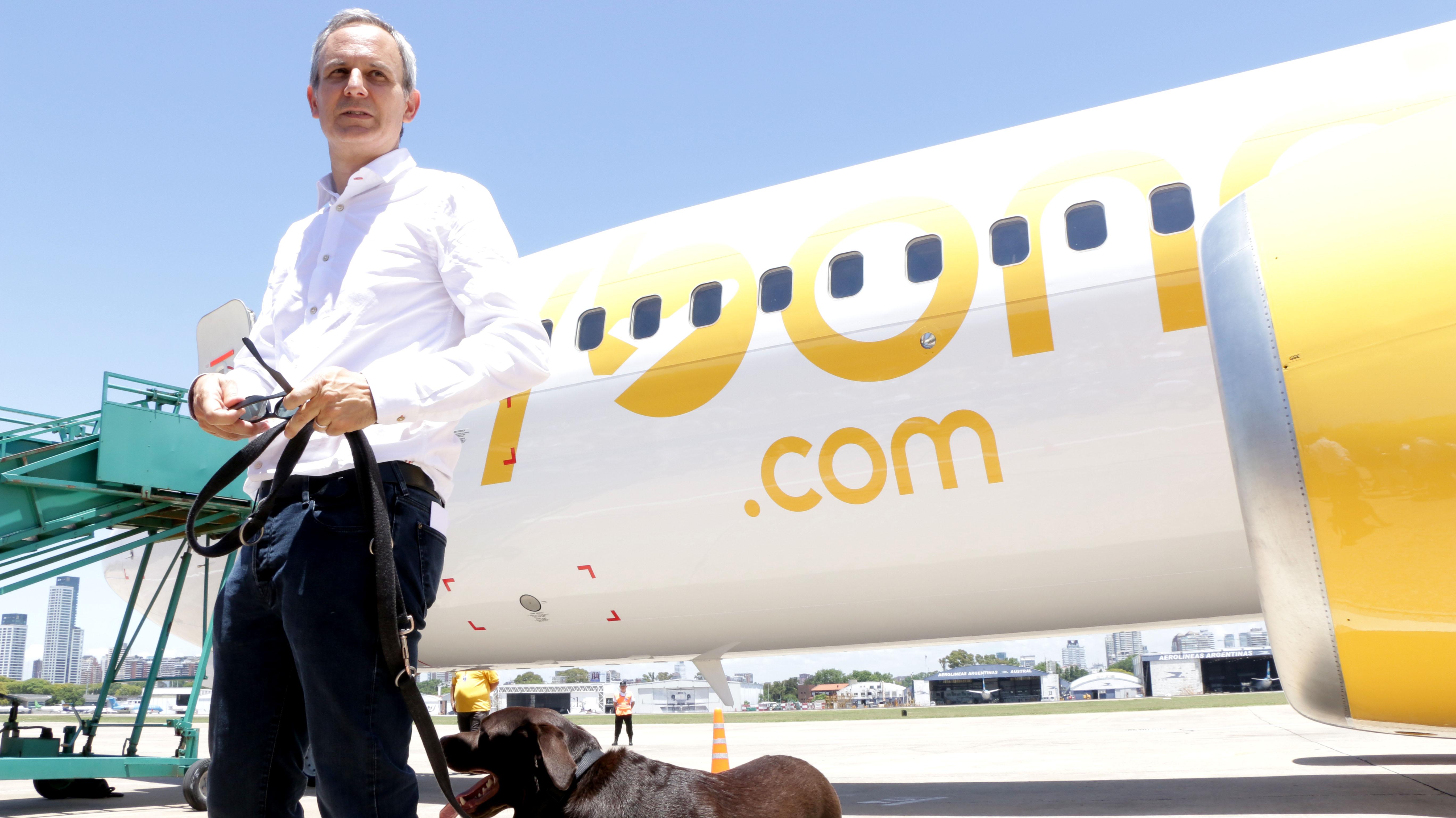 El primer avión se llama Nelson, como la mascota de Julian Cook, CEO de la compañía que invirtió USD 75 millones para comenzar a operar en la Argentina