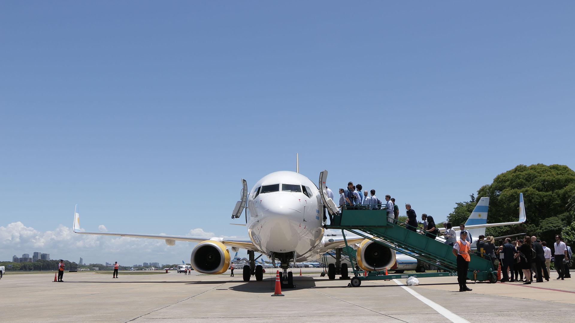 La ruta Buenos Aires-Córdoba llegará a fines de enero, cuando el aeropuerto de El Palomar esté acondicionado para operar dos aviones