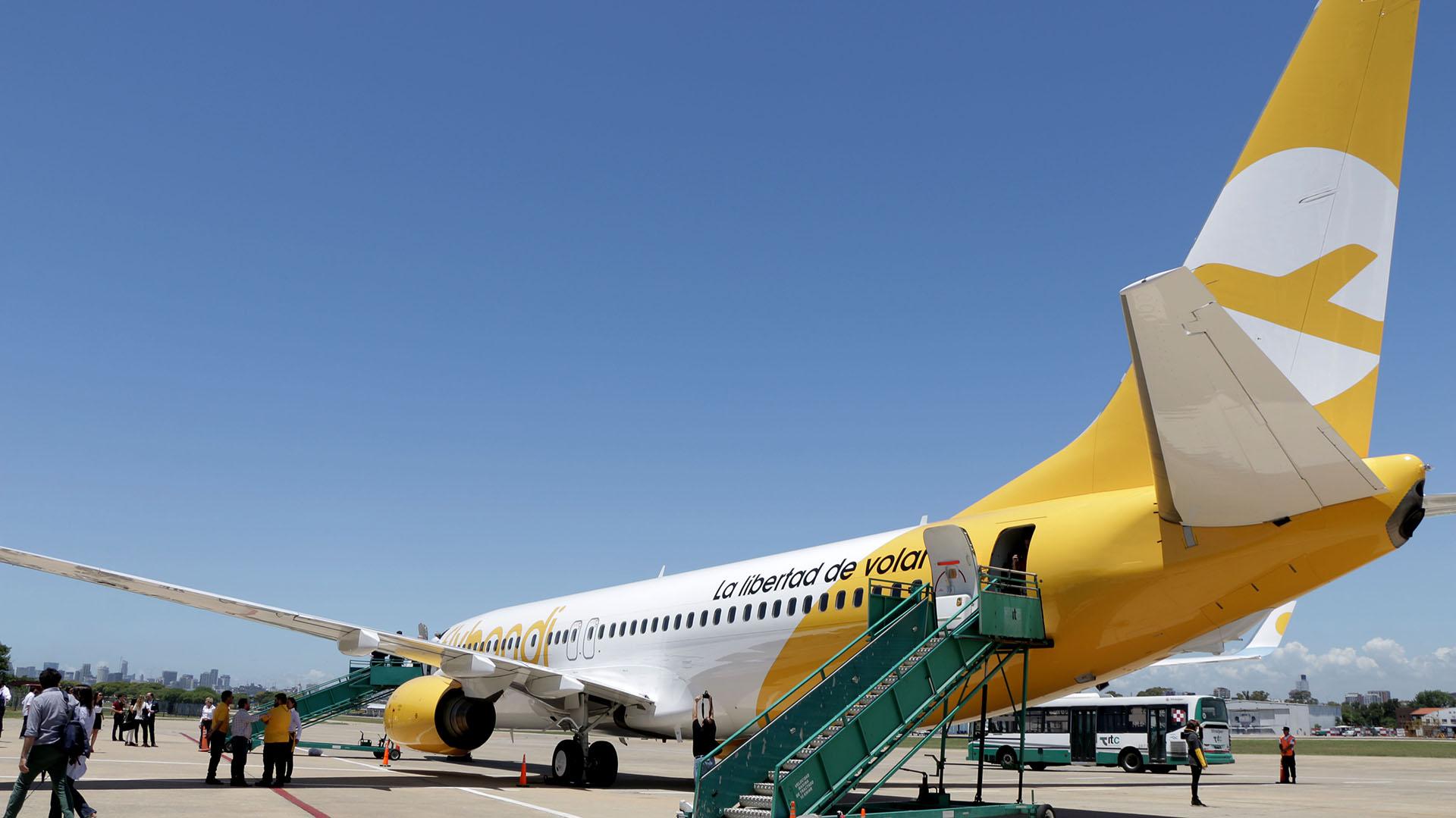 El aviónaterrizó por primera vez en Buenos Aires luego de llegara Córdoba la semana pasada, donde se hizo el primer bautismo con agua