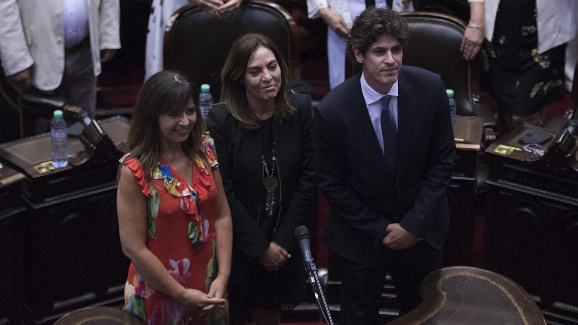 Los diputados Gabriela Cerruti , Carla Carrizo y Martín Lousteau