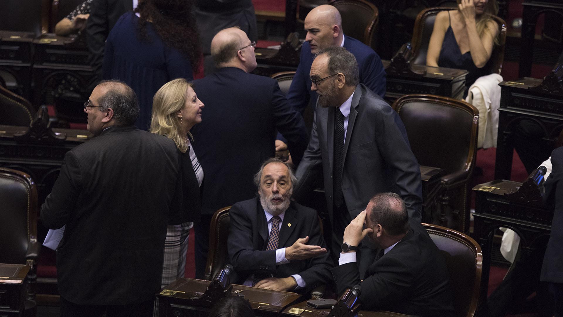Diputados del oficialismo durante la sesión