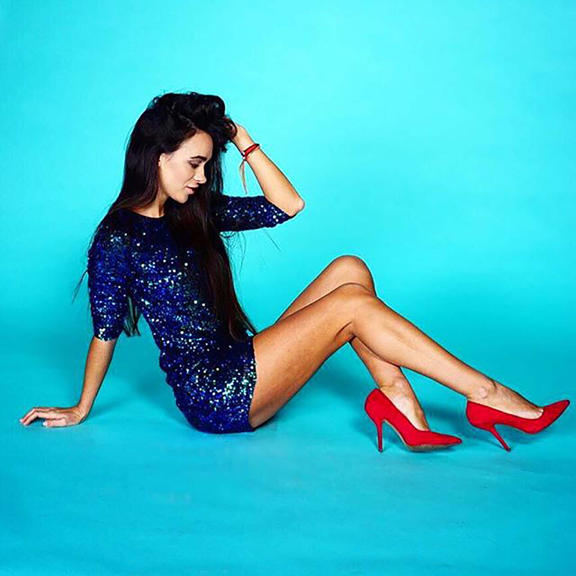 Quiet orgasm because parents are at home - 1 part 6