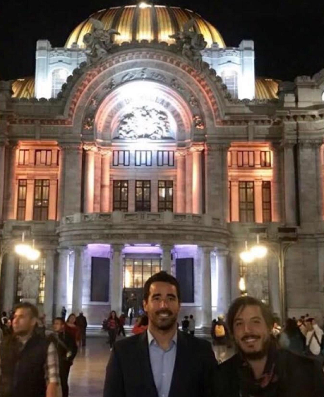 Nacho Viale estuvo en México DF para la entrega de Premios Fénix en representación de Estocolmo, identidad perdida, la serie que protagonizó Juana Viale junto a Luciano Cáceres y Esteban Lamothe