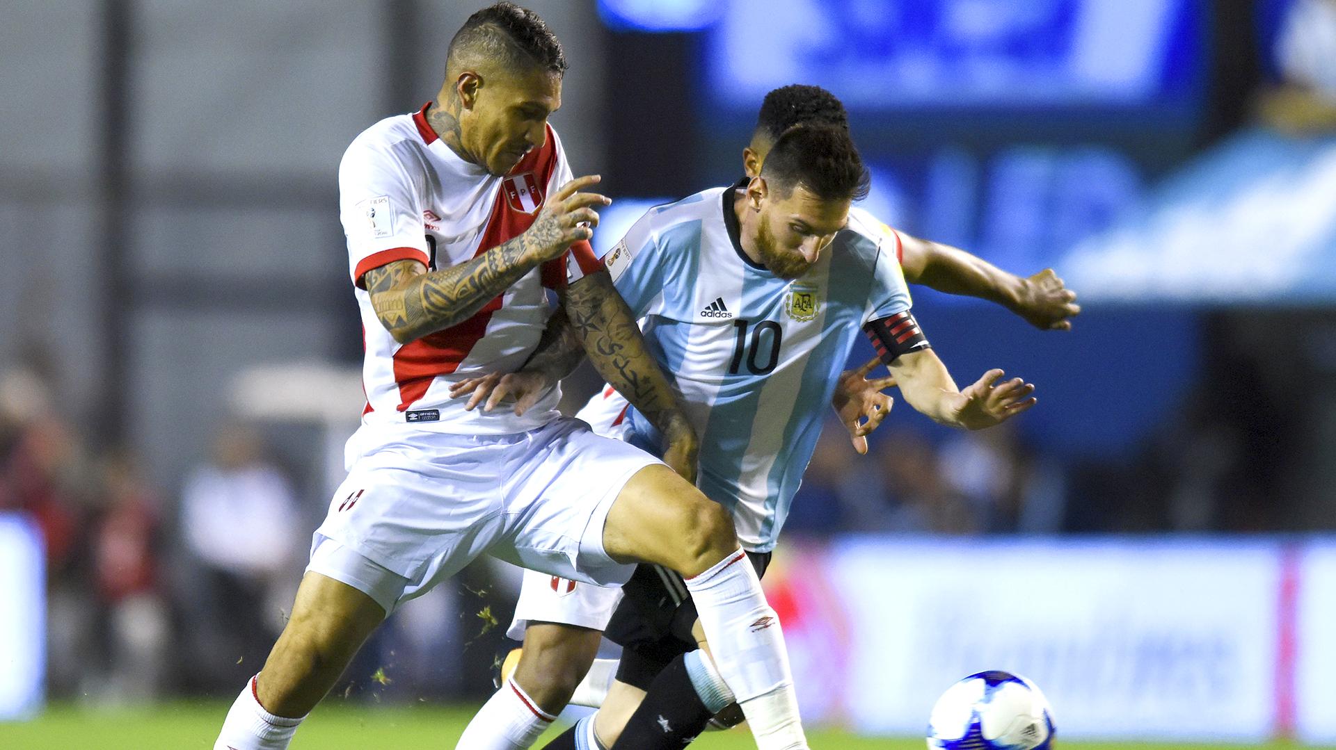 Paolo Guerrero dio doping positivo en el partido de Eliminatorias disputado ante Argentina enBuenos Aires (Getty Images)