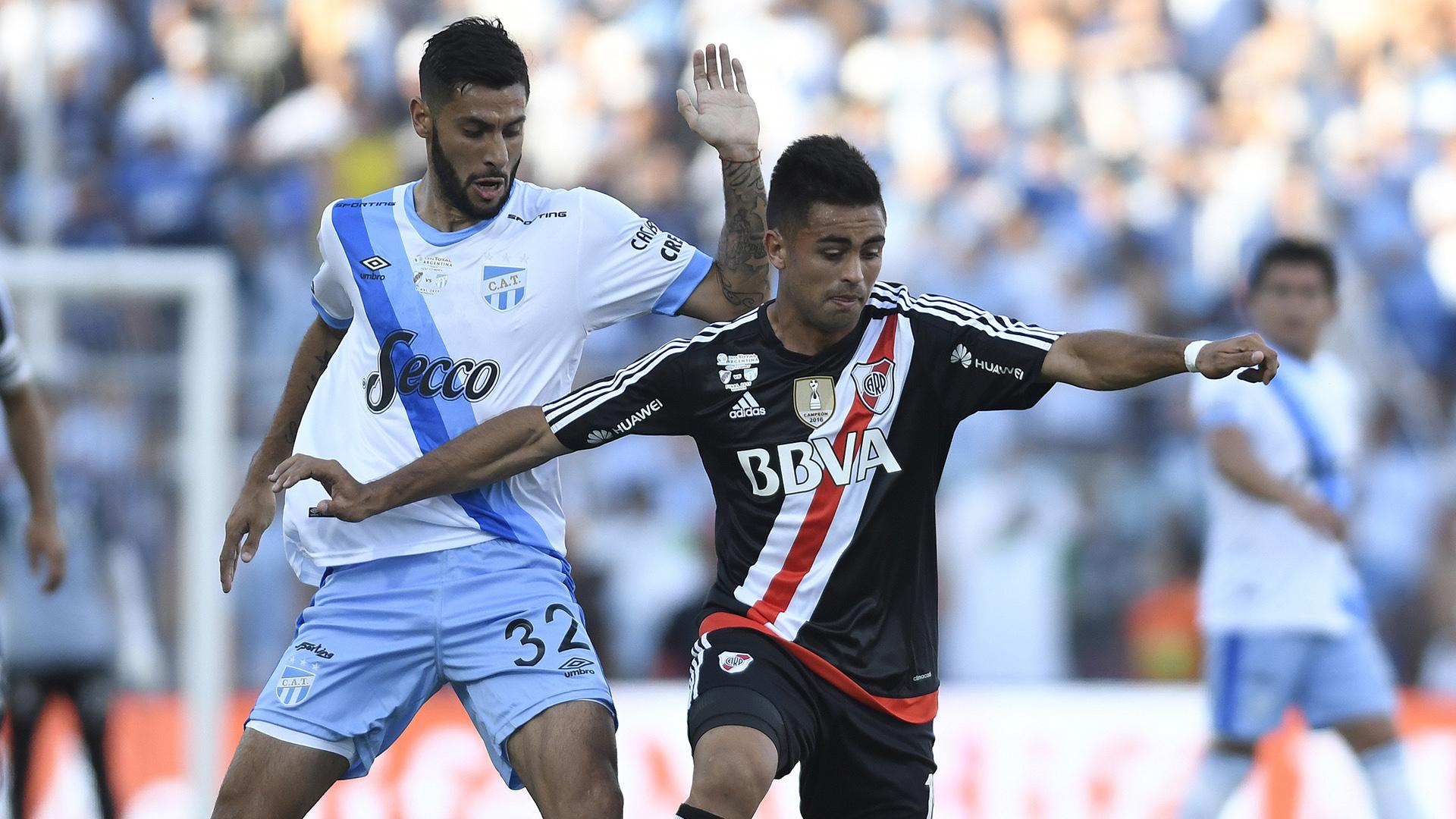 River y Atlético Tucumán jugaron en Mendoza (EFE)