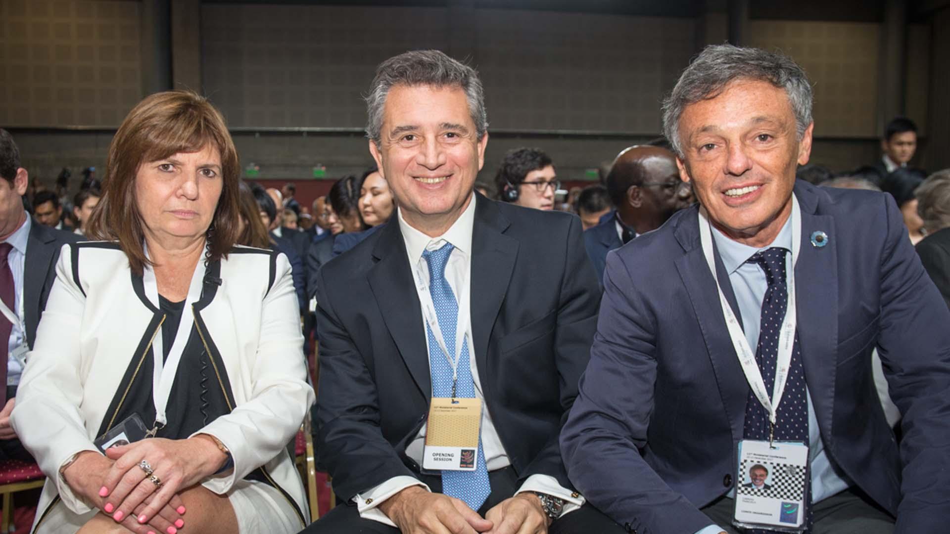 La ministra de Seguridad, Patricia Bullrich; el ministro de Agroindustria, Luis Miguel Etchevehere y el ministro de Producción, Francisco Cabrera