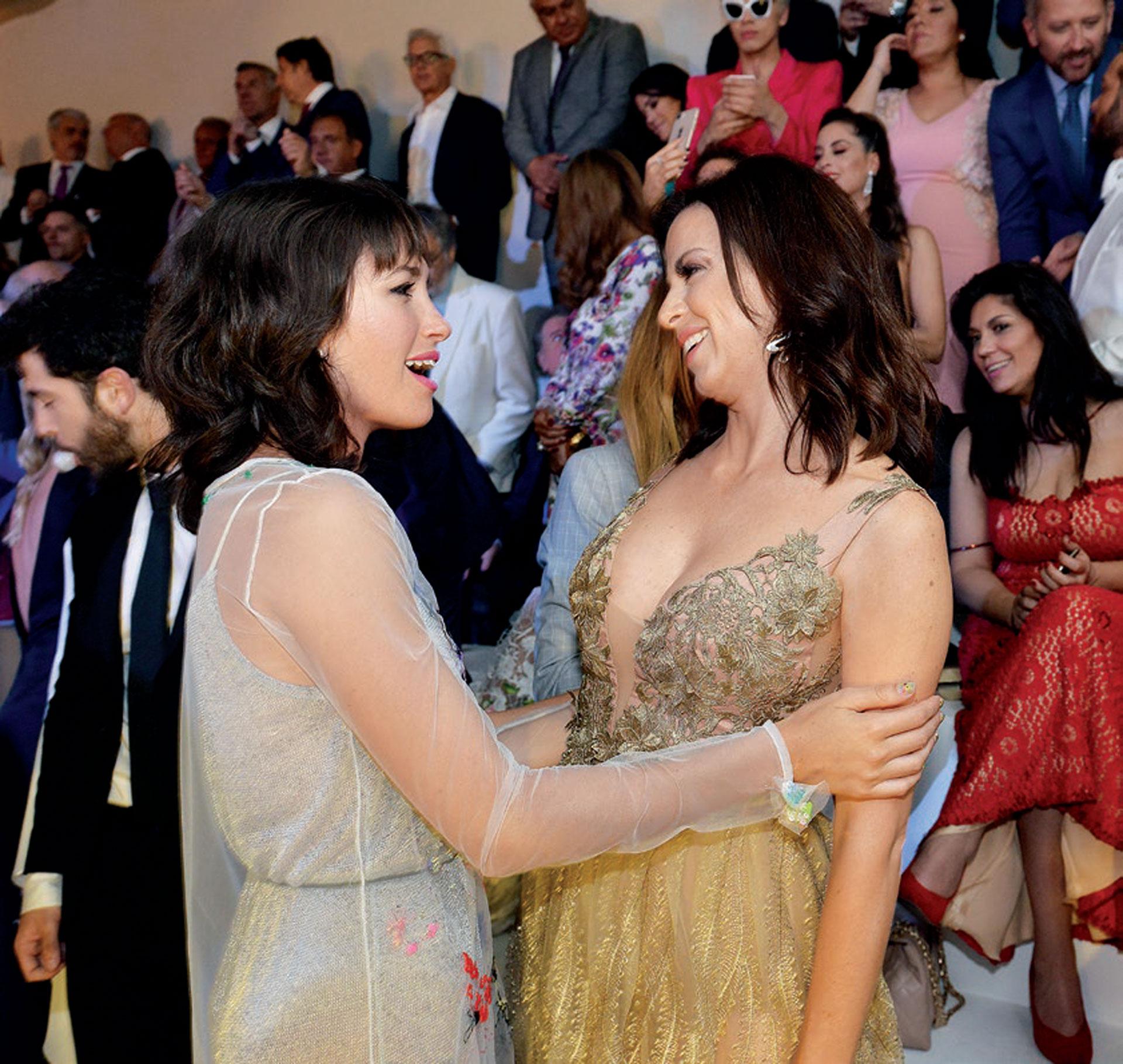 """Cande Vetrano felicitó a Mercedes Funes por su protagónico en Yo soy así, Tita de Buenos Aires. """"¡Estuviste estupenda!"""", le dijo la actriz que se luce en Cuéntame cómo pasó, por la Televisión Pública."""