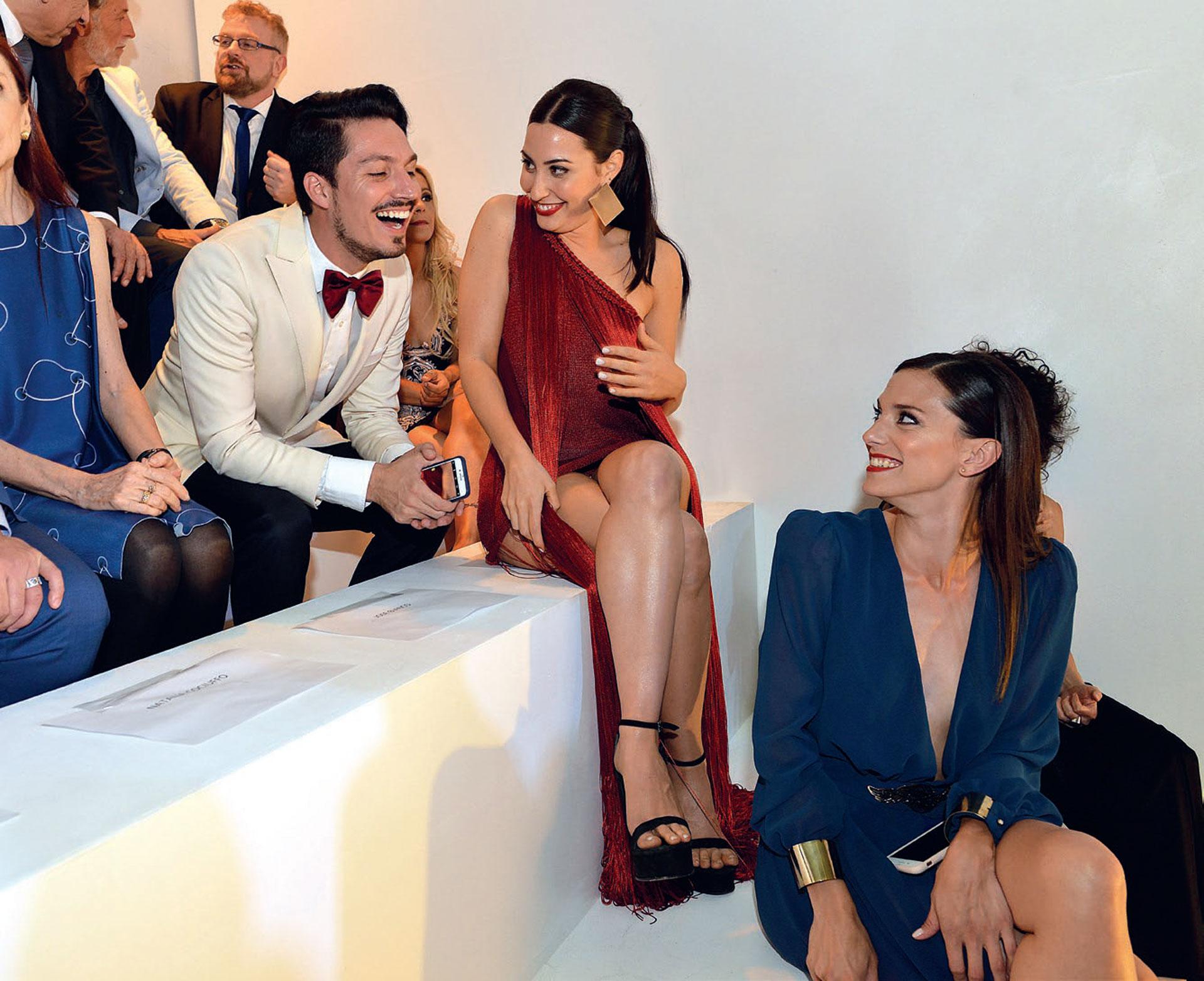 Risas cómplices entre Guido Zaffora, Johanna Francella y Manuela Pal.