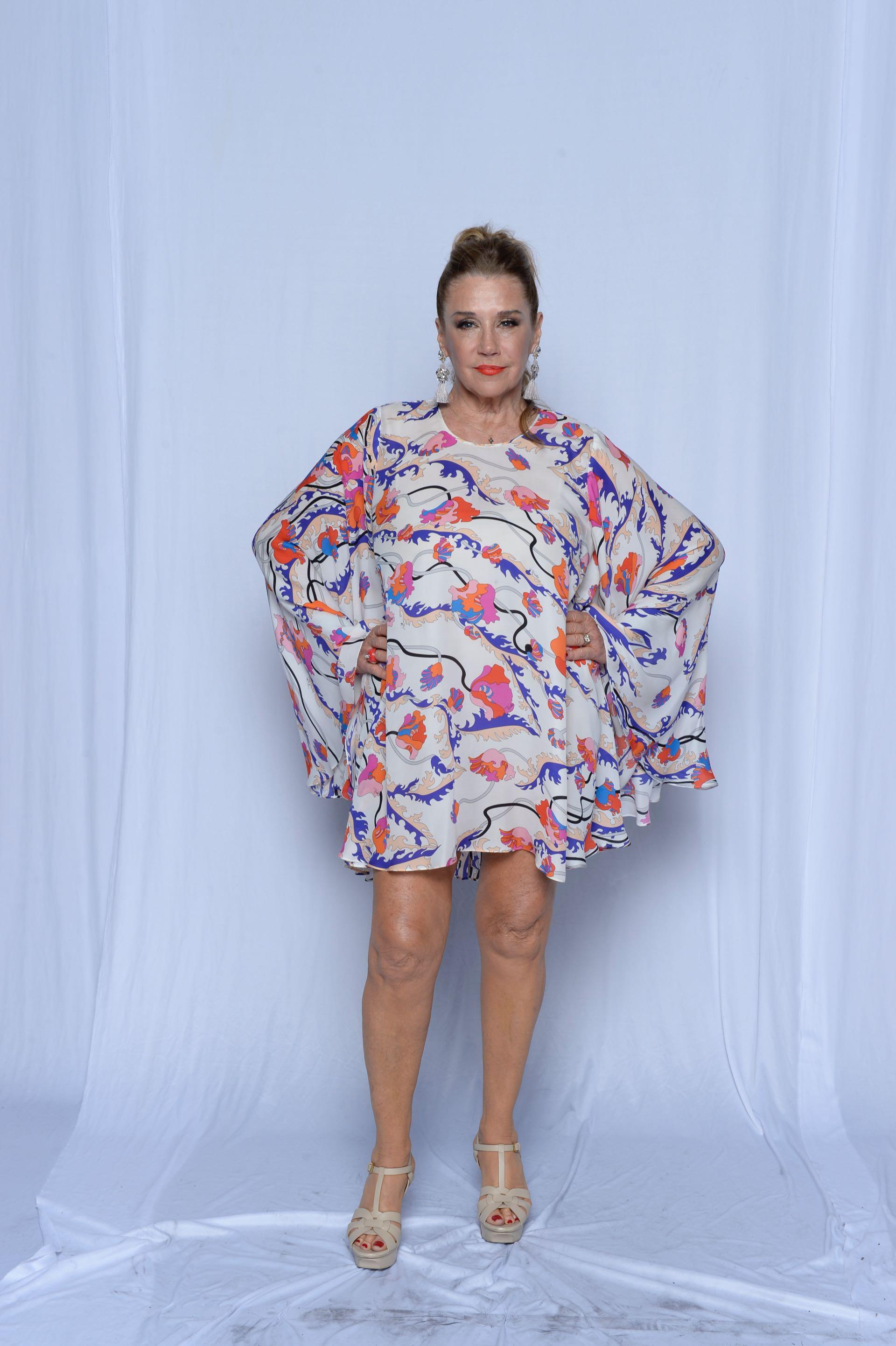 Marcela Tinayre por Gucci, con zapatos YSL y accesorios Pérez Sáenz.