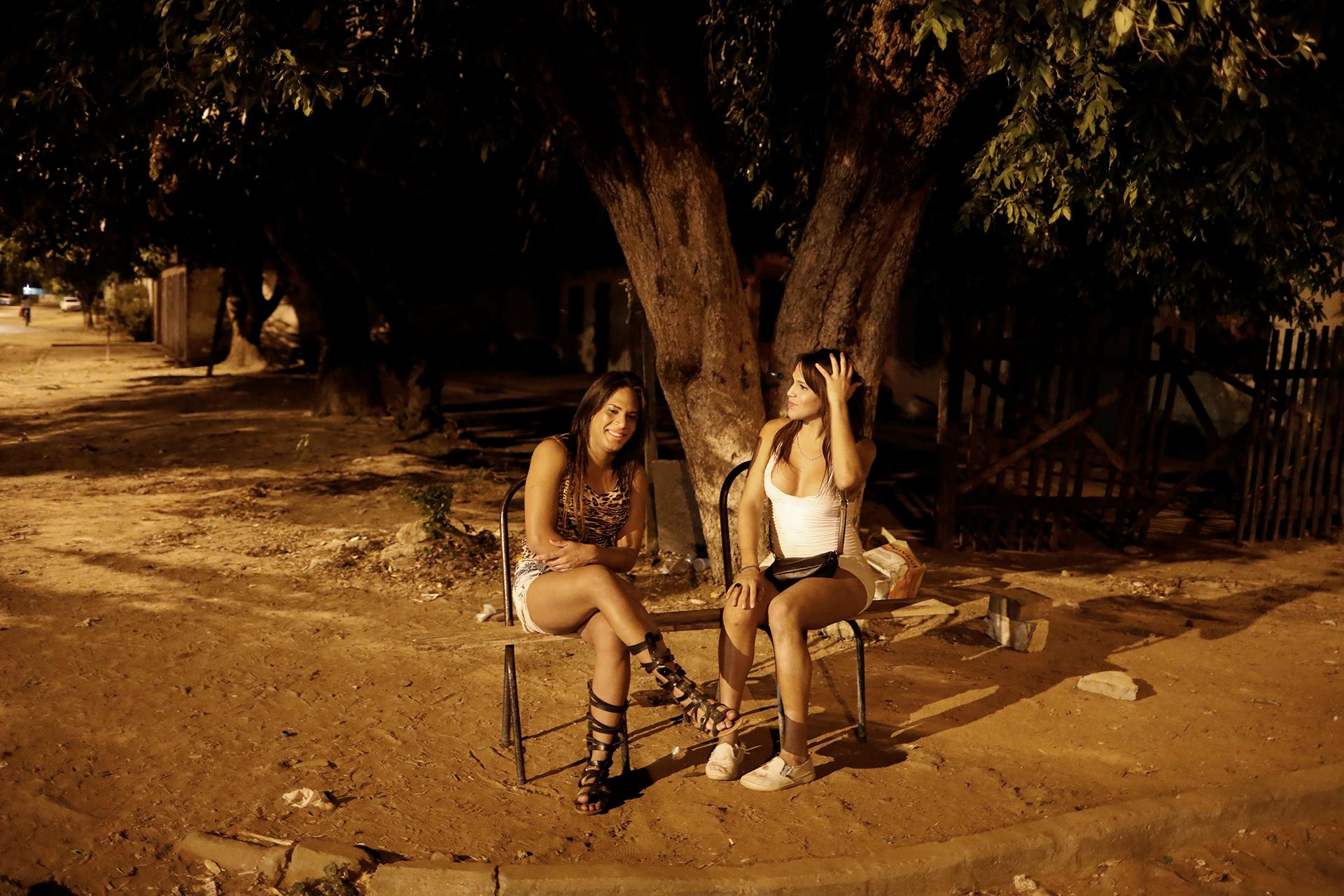 Las transexuales Camila y Valeria (REUTERS)