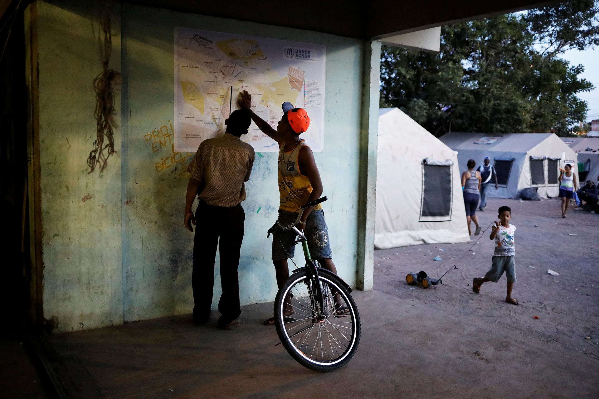 La mayoría de los inmigrantes en Boa Vista llegan por tierra (REUTERS)