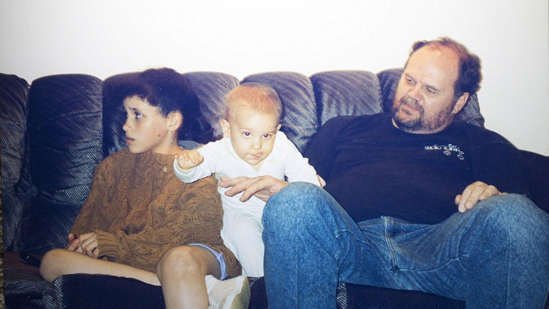 Postal familiar: junto con su padre Thomas Markle -del cual heredó su perfil artístico,ya que él fue director de iluminación de televisión y ganó un Emmy- y uno de sus medios hermanos