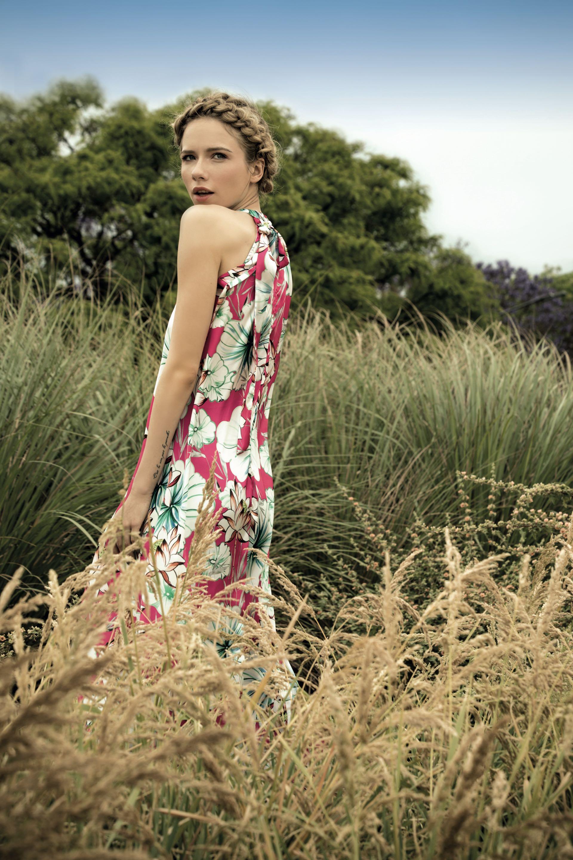 Vestido de seda con escote halter ($ 2.950, Basilotta).Foto Fernando Venegas/ Para Ti