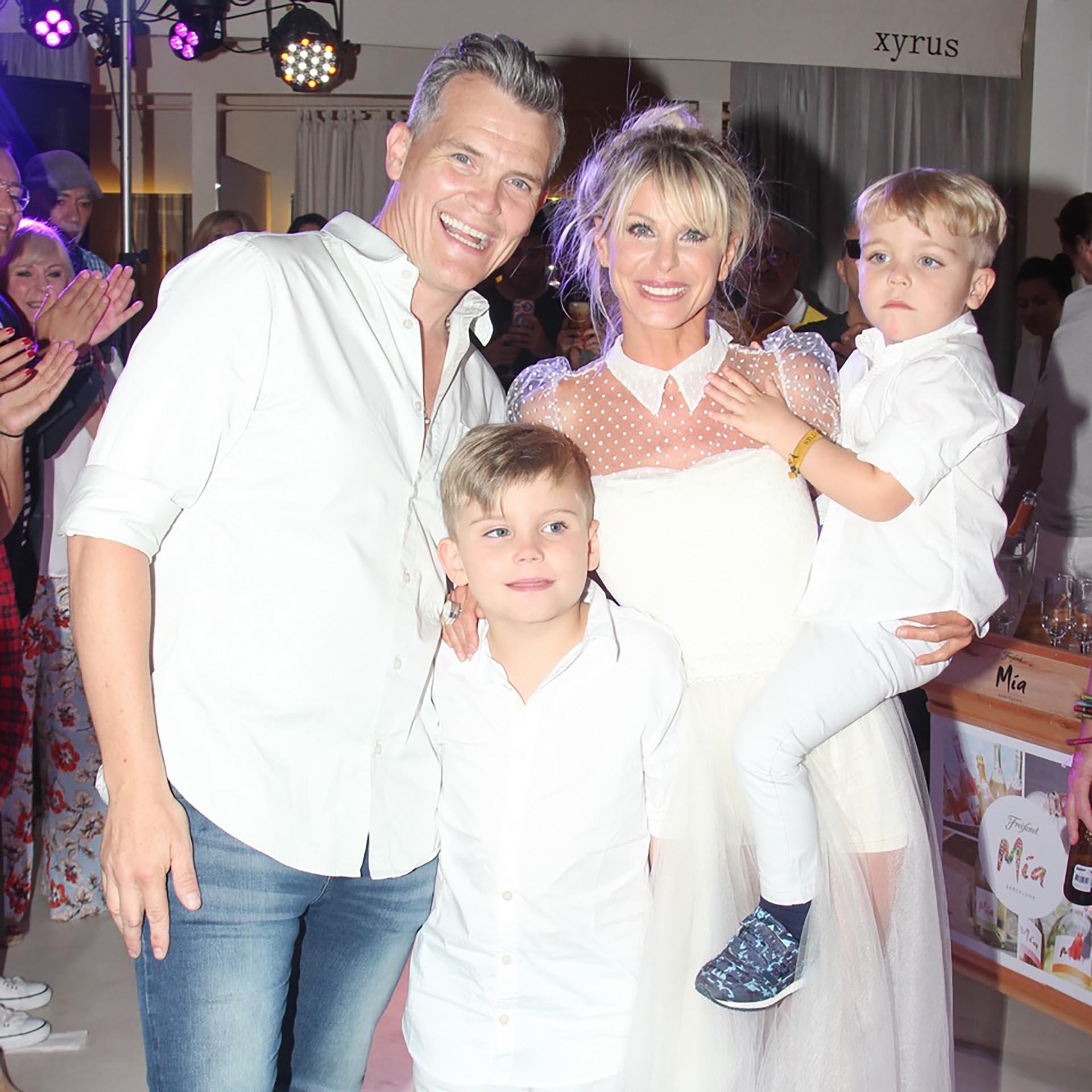Jimena Cirulnik con su marido, Lucas Kirby y sus hijos, Calder y Tyron