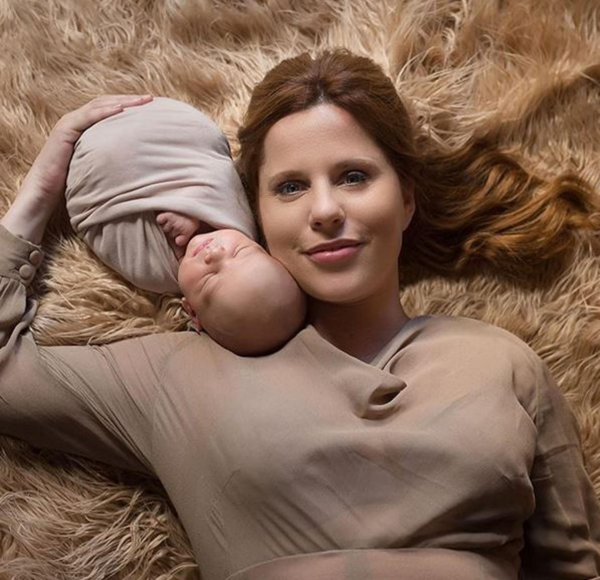 ¡Muy tierno! La producción de fotos de Agustina Kämpfer con su bebé