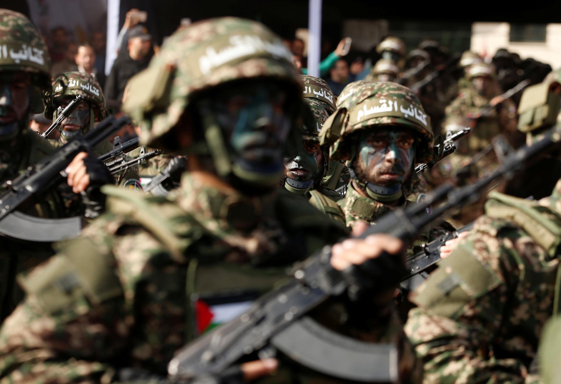 Soldados de Hamas marchando (Reuters)
