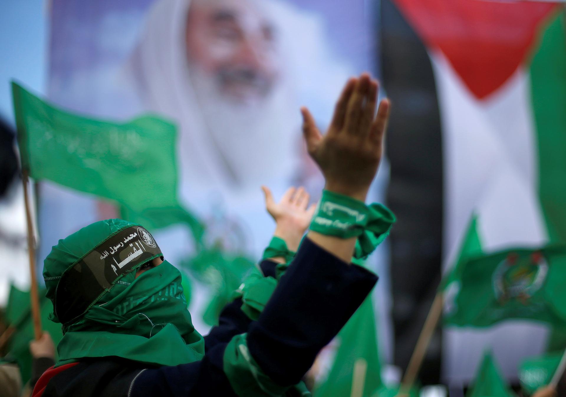 Una mujer palestina con la cabeza cubierta(Reuters)