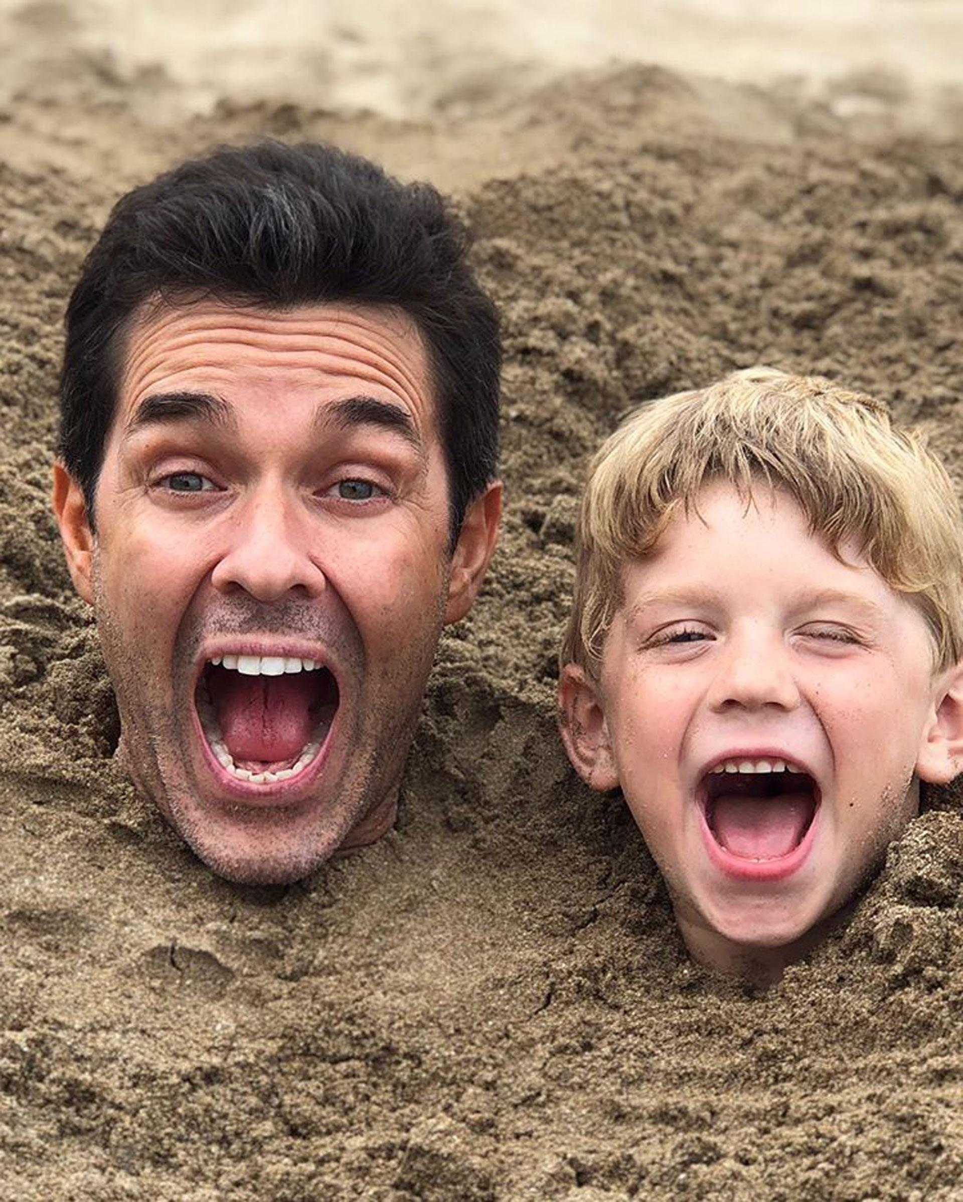 El actor junto a Milo. ¡Muy divertidos! Foto: Instagram @marianom78