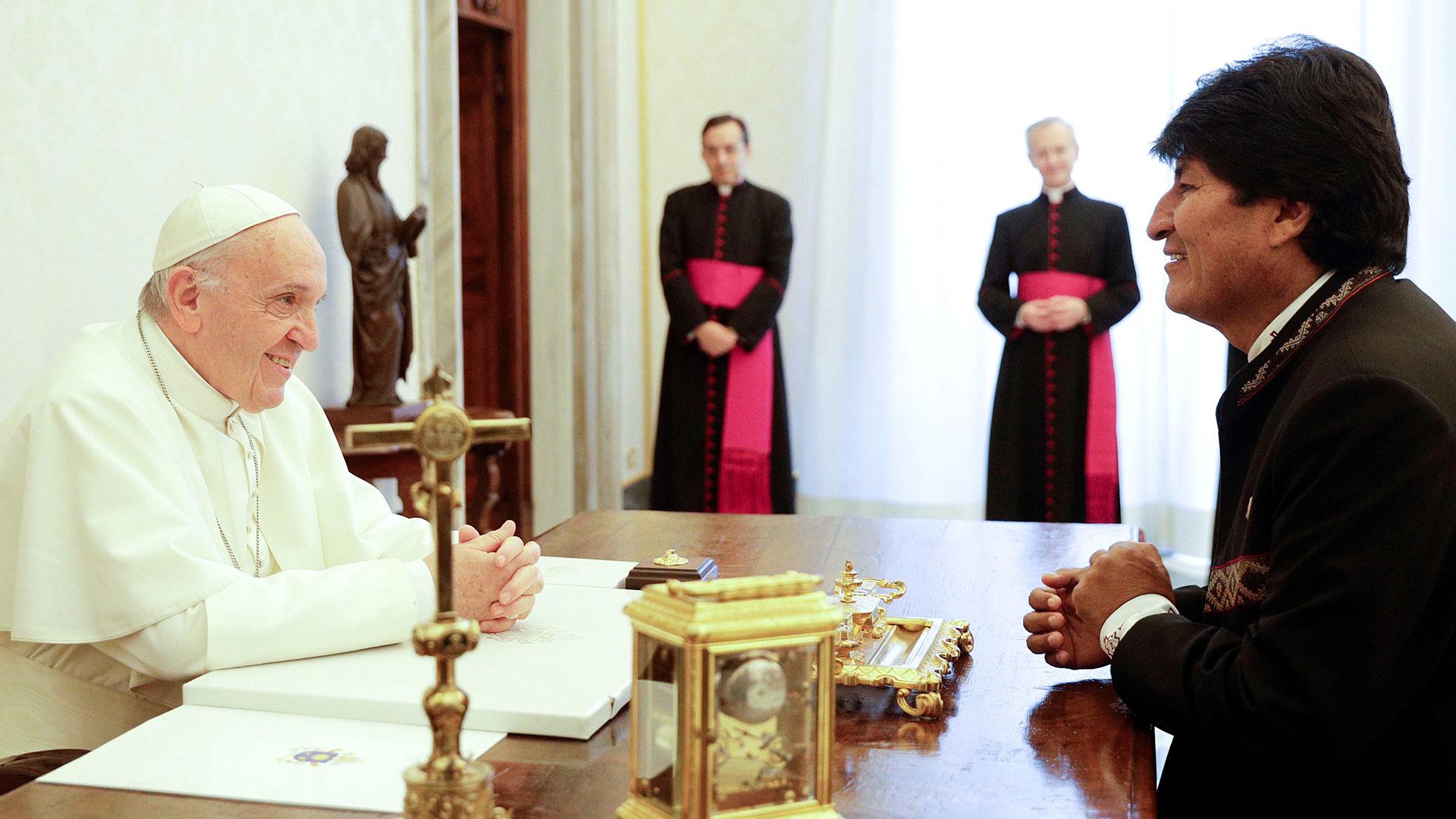 El papa Francisco recibió a Evo Morales (Reuters)