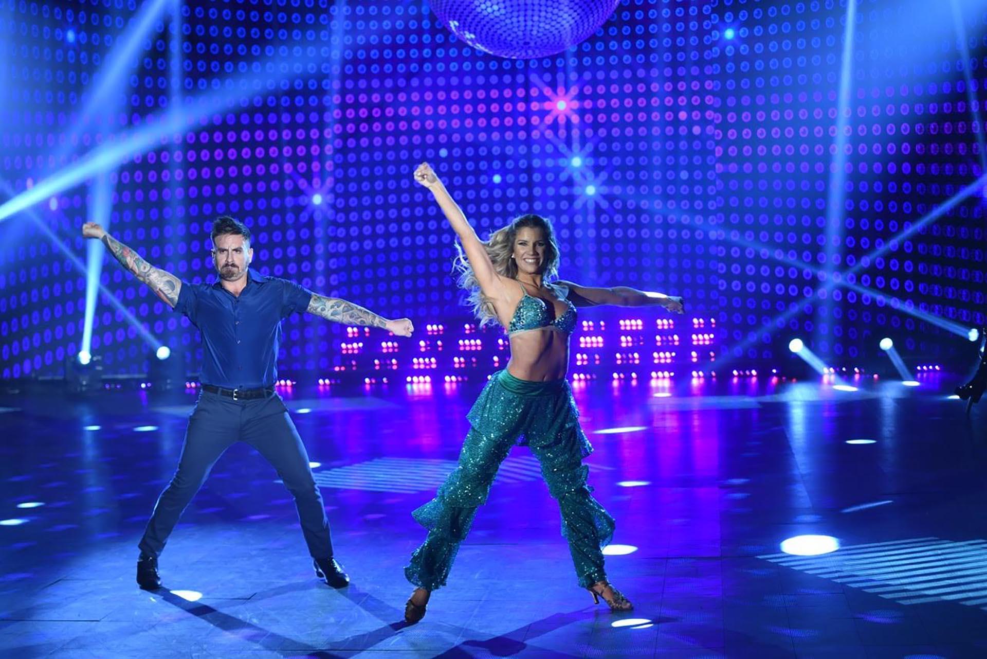 Fede Bal y Laura Fernández bailando Disco