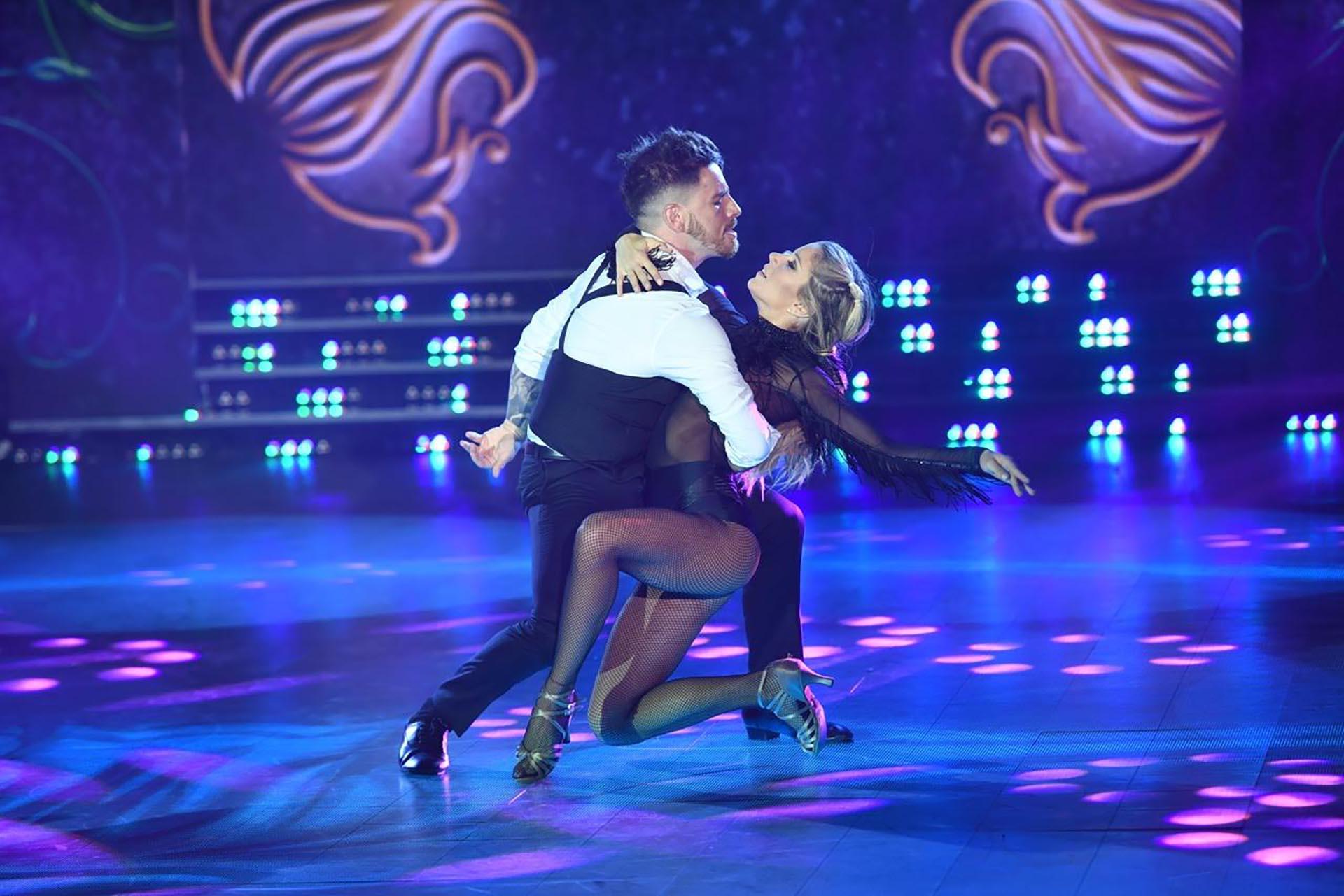Laurita Fernández y Fede Bal bailando Tango