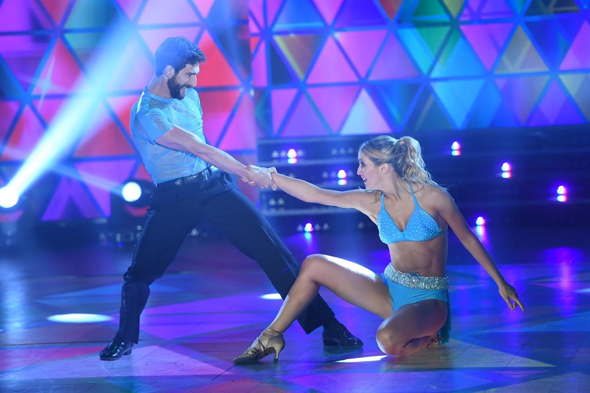 Flor Vigna y Gonzalo Berger bailando Merengue