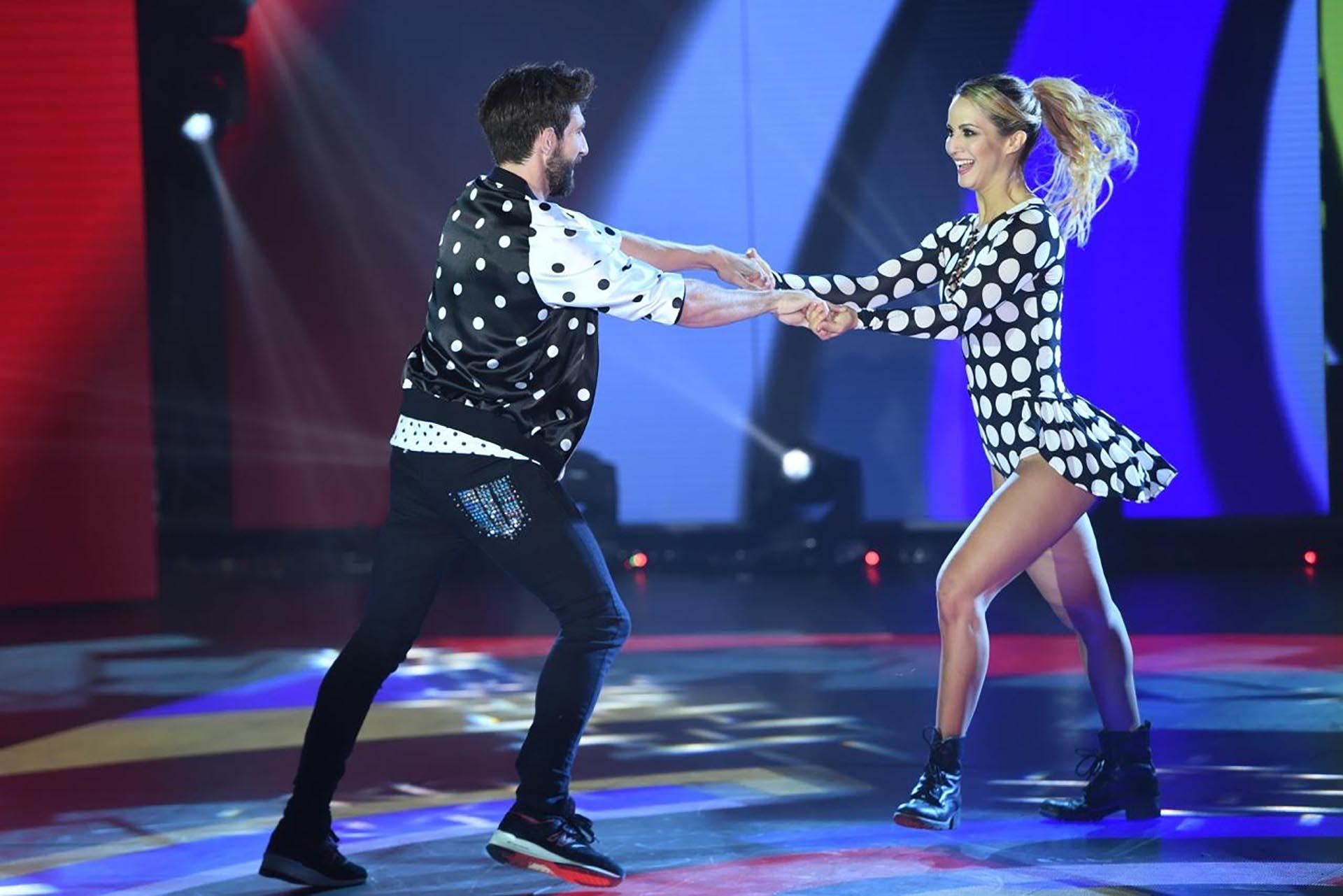 Flor Vigna y Gonzalo Geber bailando Cumbia Pop