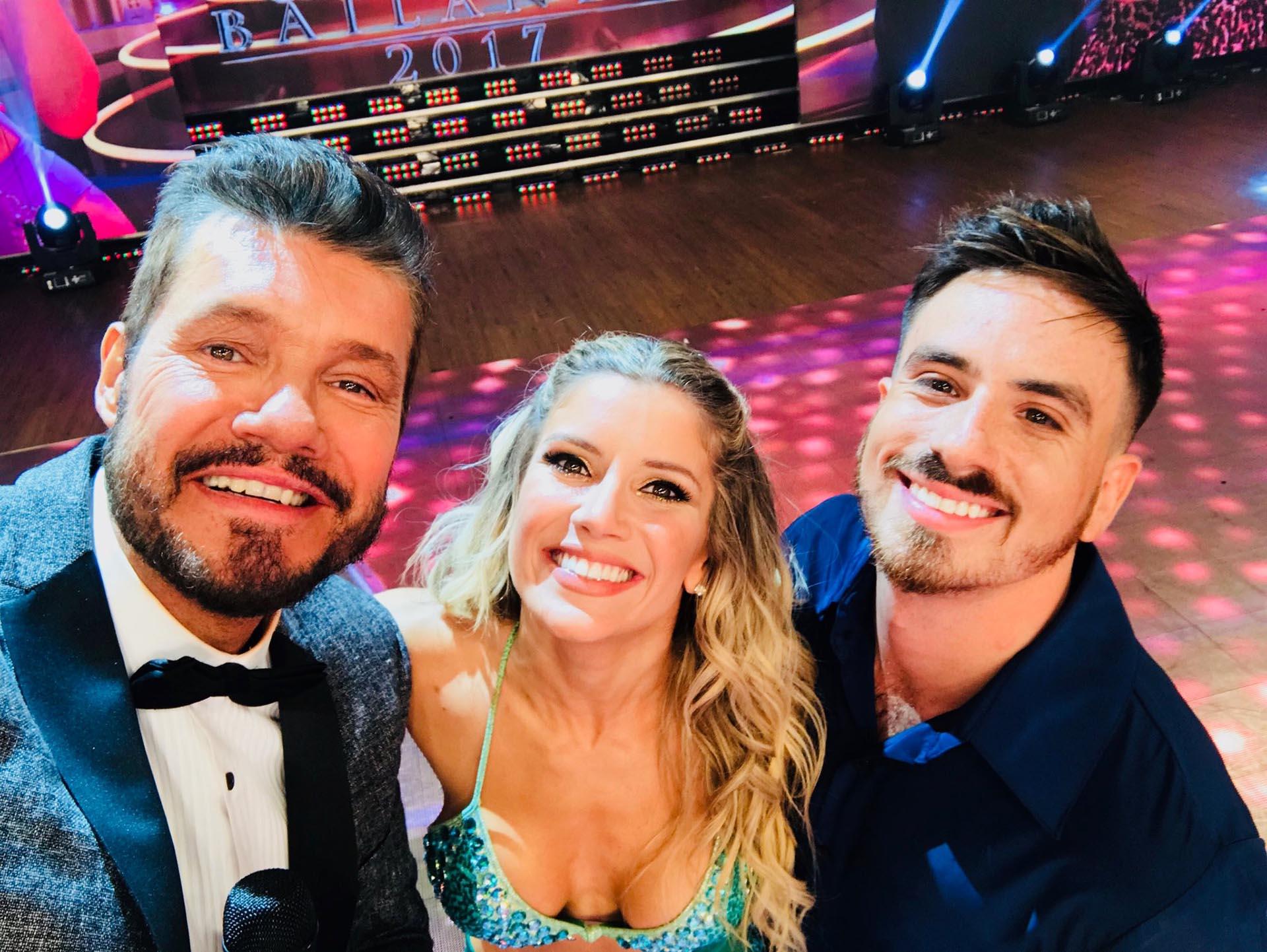 Selfie de Tinelli con Fede Bal y Laurita Fernández