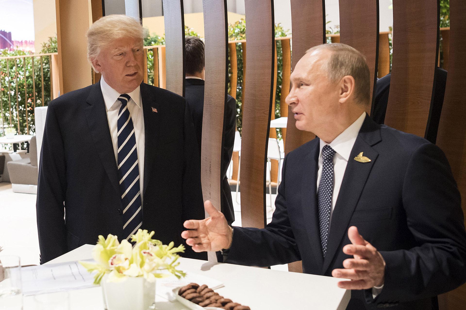 7/7 Donald Trump y Vladimir Putin se reúnen por primera vez en la cumbre del G-20 de Hamburgo, Alemania