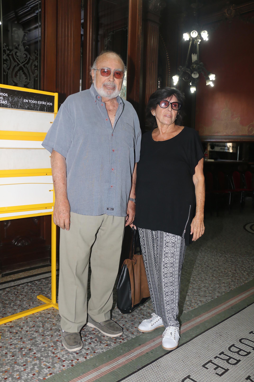 Pepe Novoa con su mujer