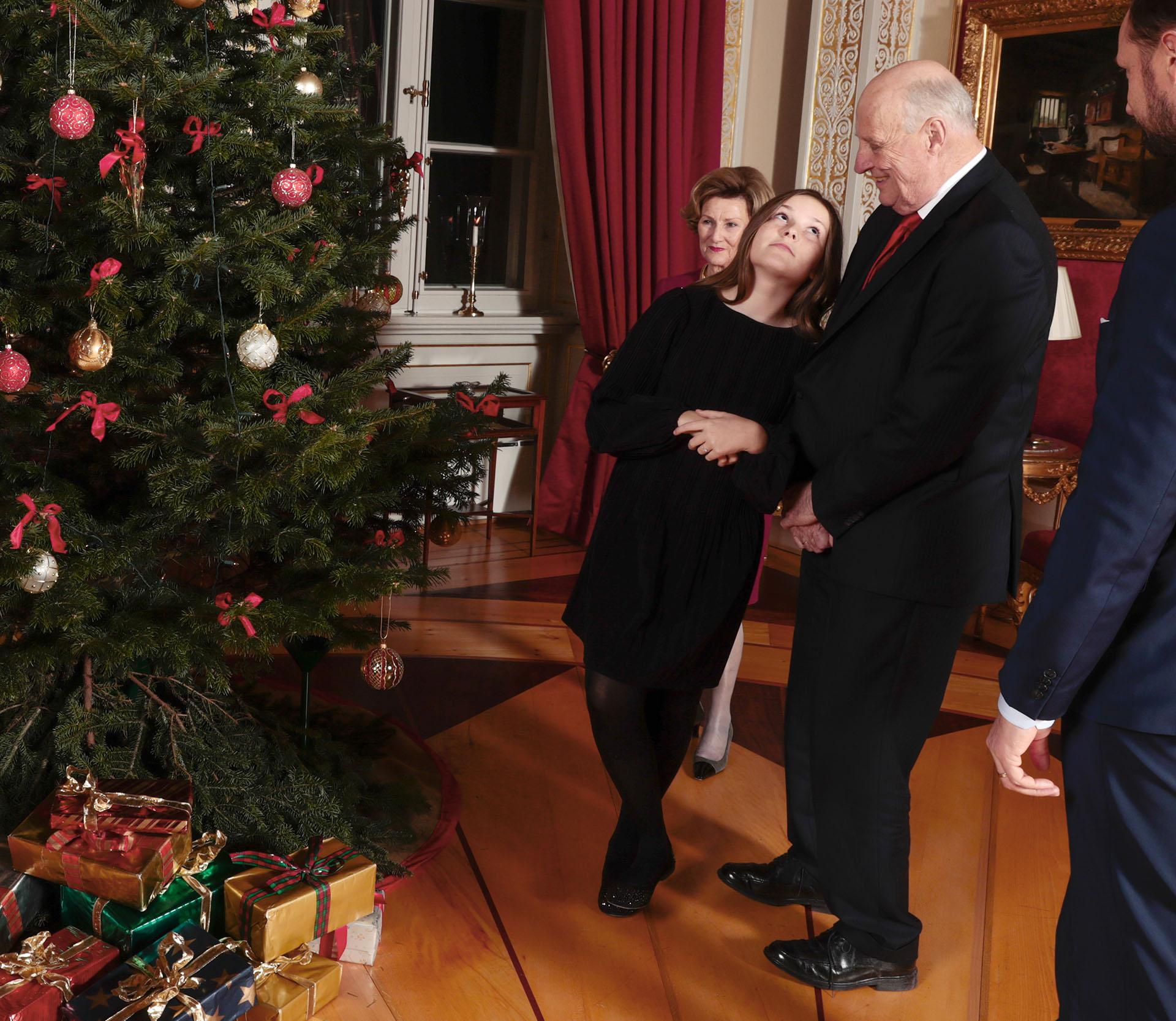 La familia real de Noruega es muy querida en su país, ya que mantiene un gran compromiso social y humanitario con quienes lo necesitan /// Fotos: AFP