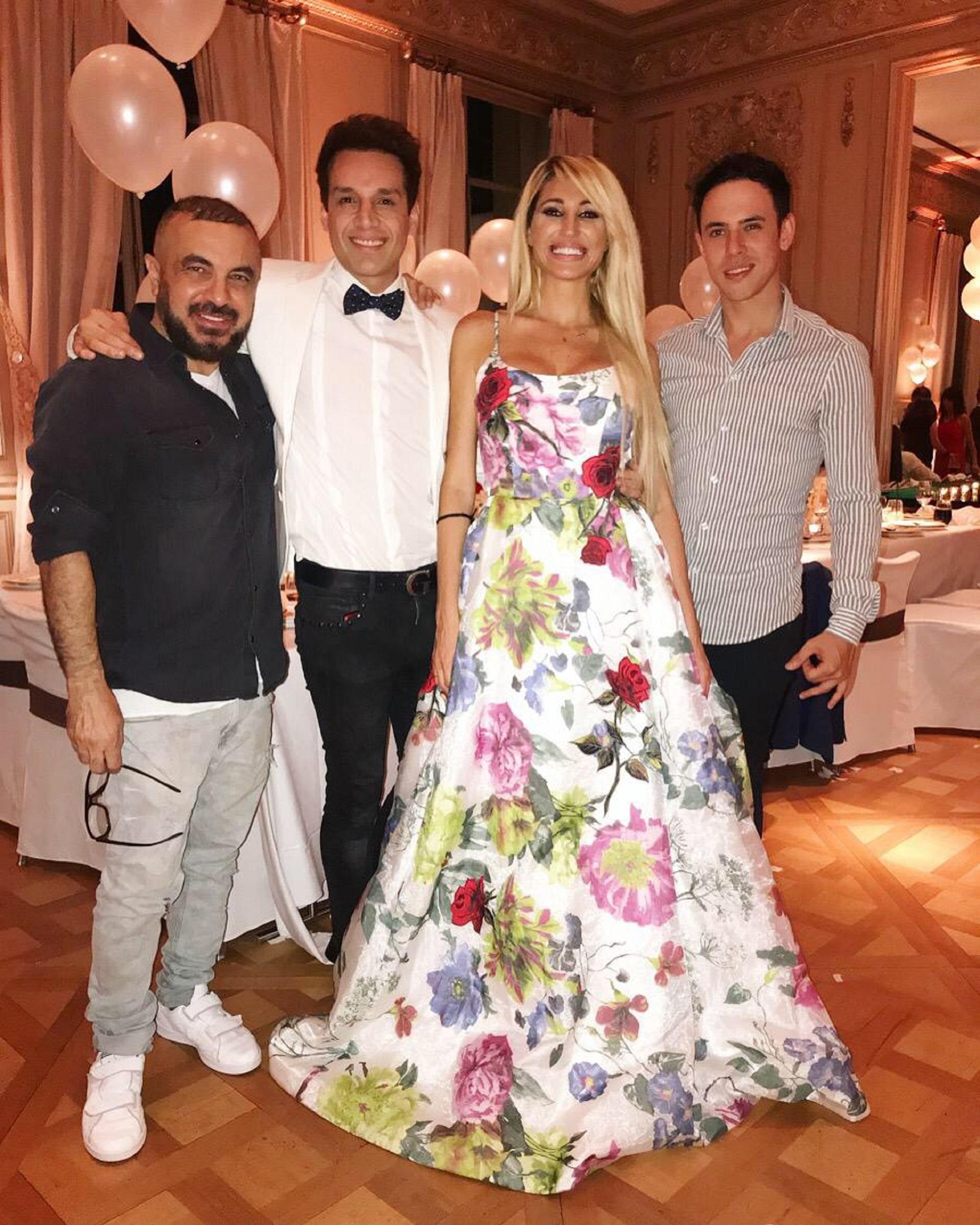 Victoria Xipolitakis compartió su gran noche con amigos