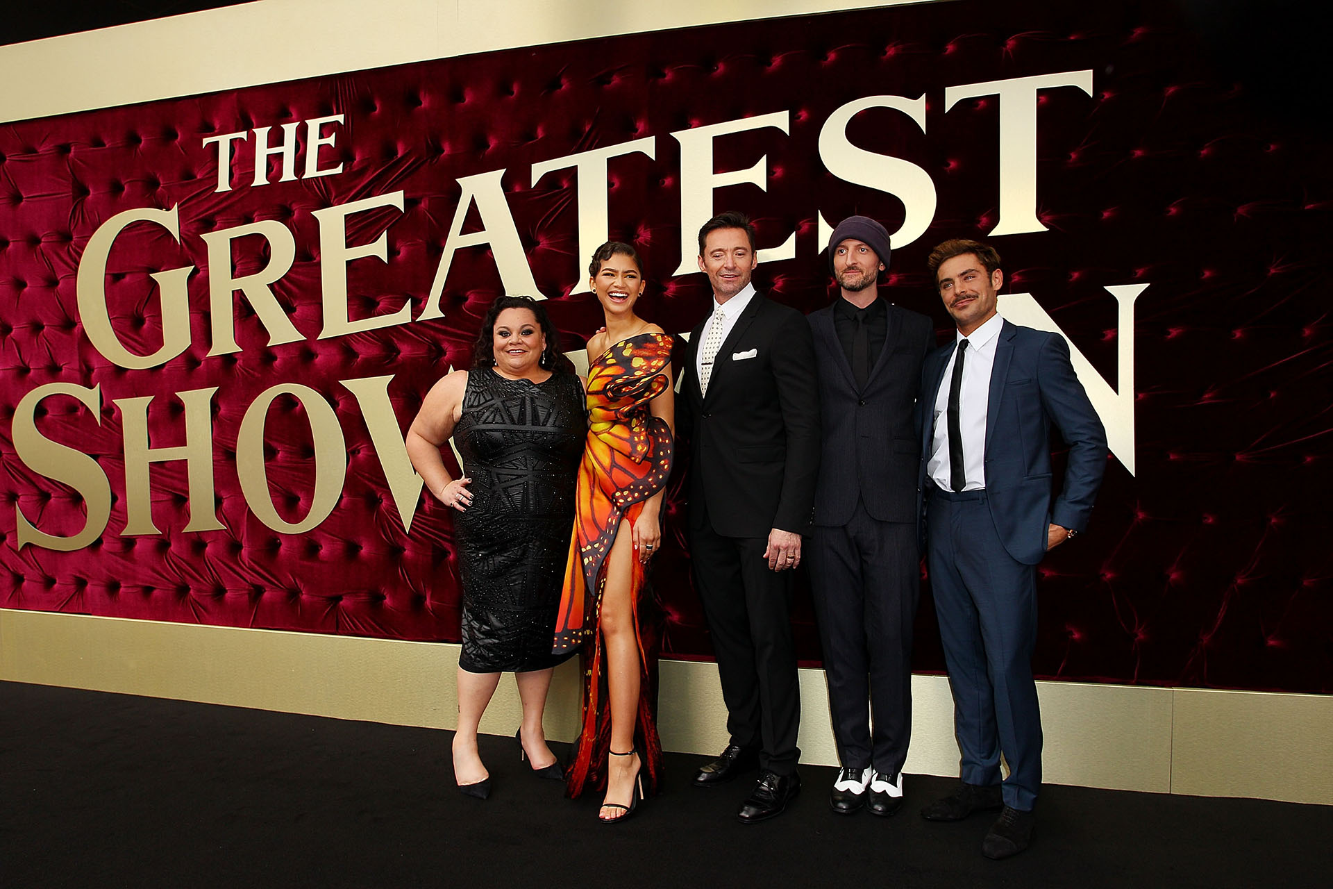 Keala Settle, Zendaya, Hugh Jackman, Michael Gracey y Zac Efron en la premiere australiana de The Greatest Showman /// Fotos: Getty Images